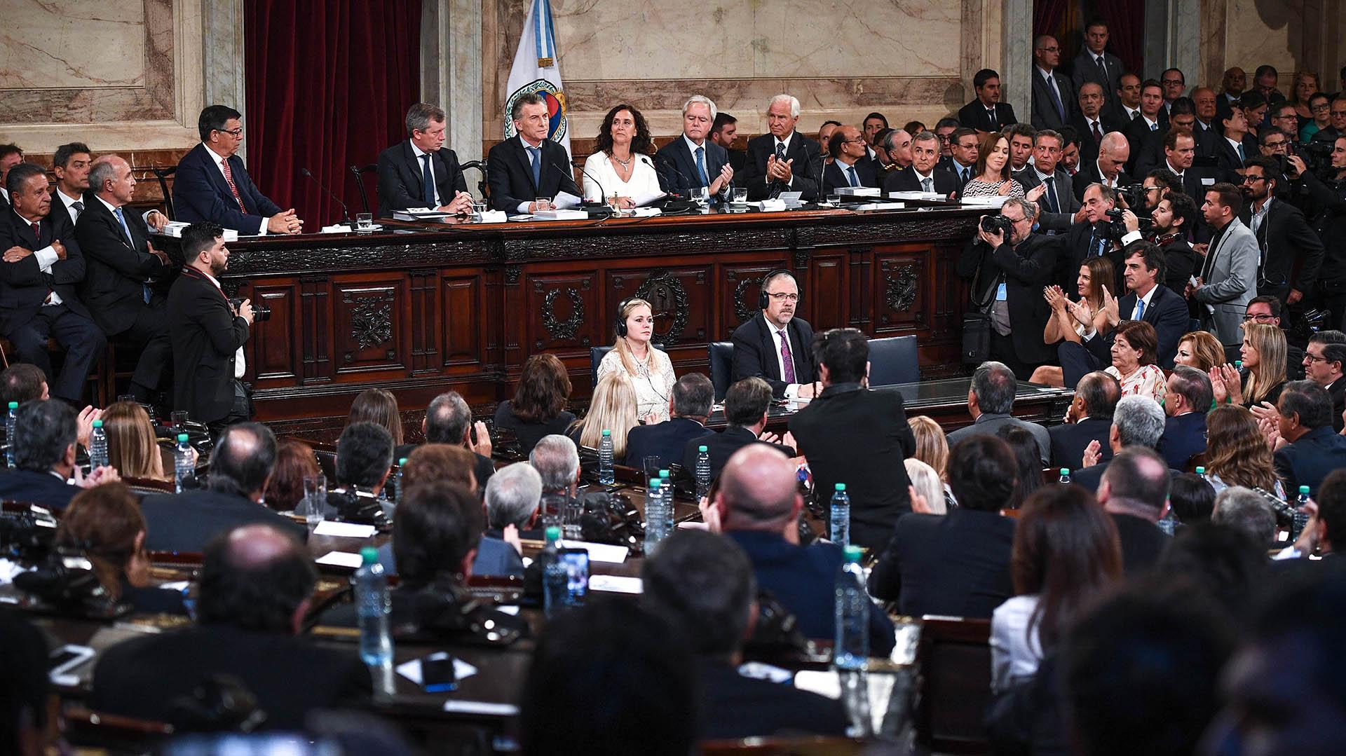 Mauricio Macri habla ante los legisladores