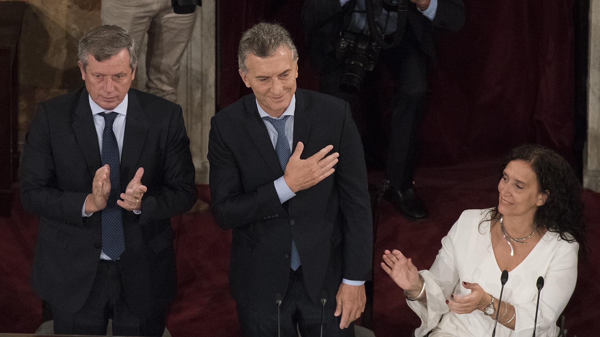 Macri durante el himno