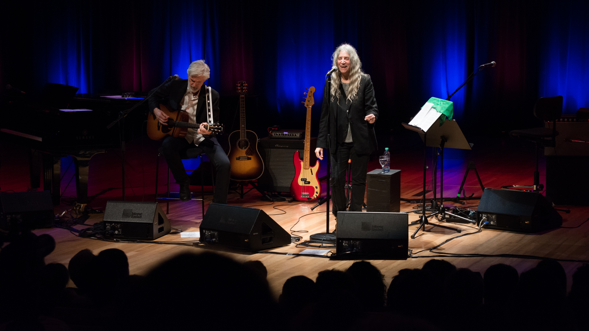 Patti Smith junto a su histórico guitarrista Tony Shanahan