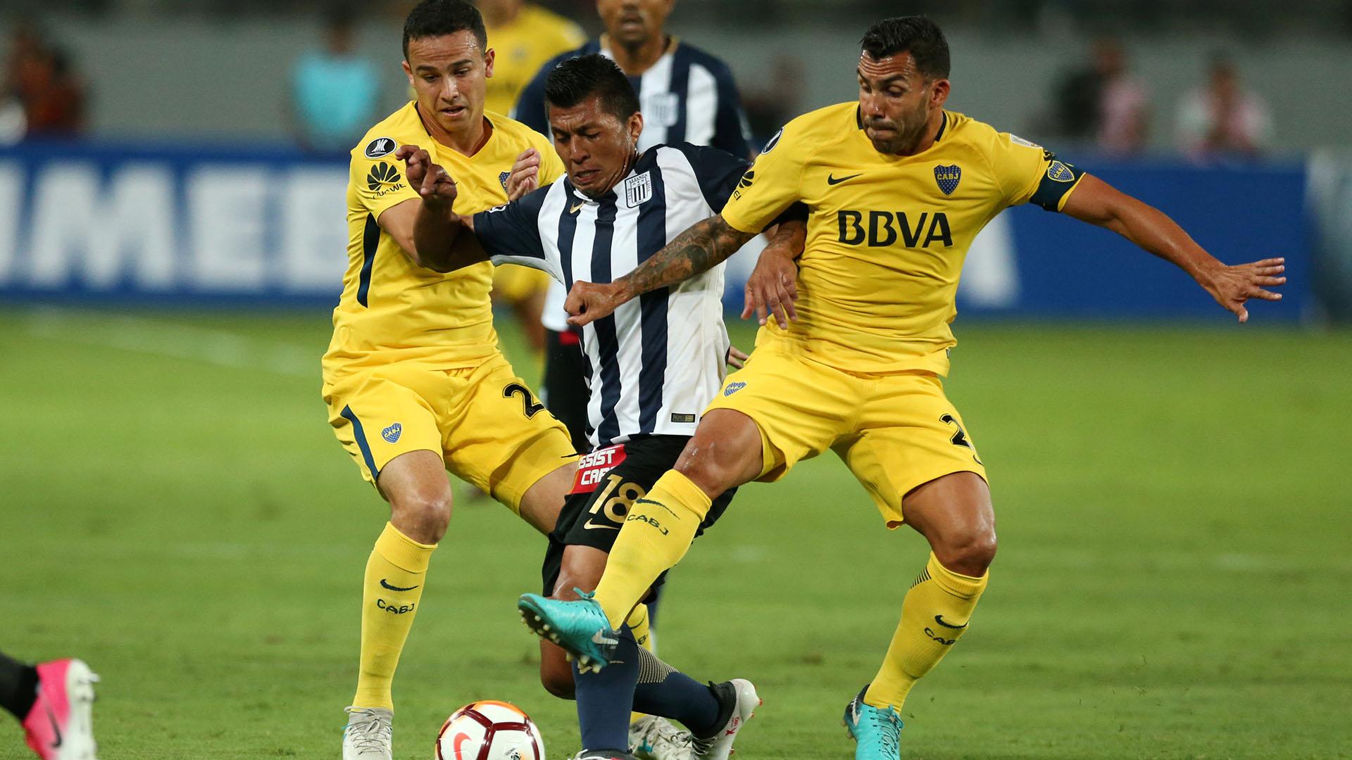 Carlos Tevez, al esperanza de Boca ante Alianza Lima (REUTERS)
