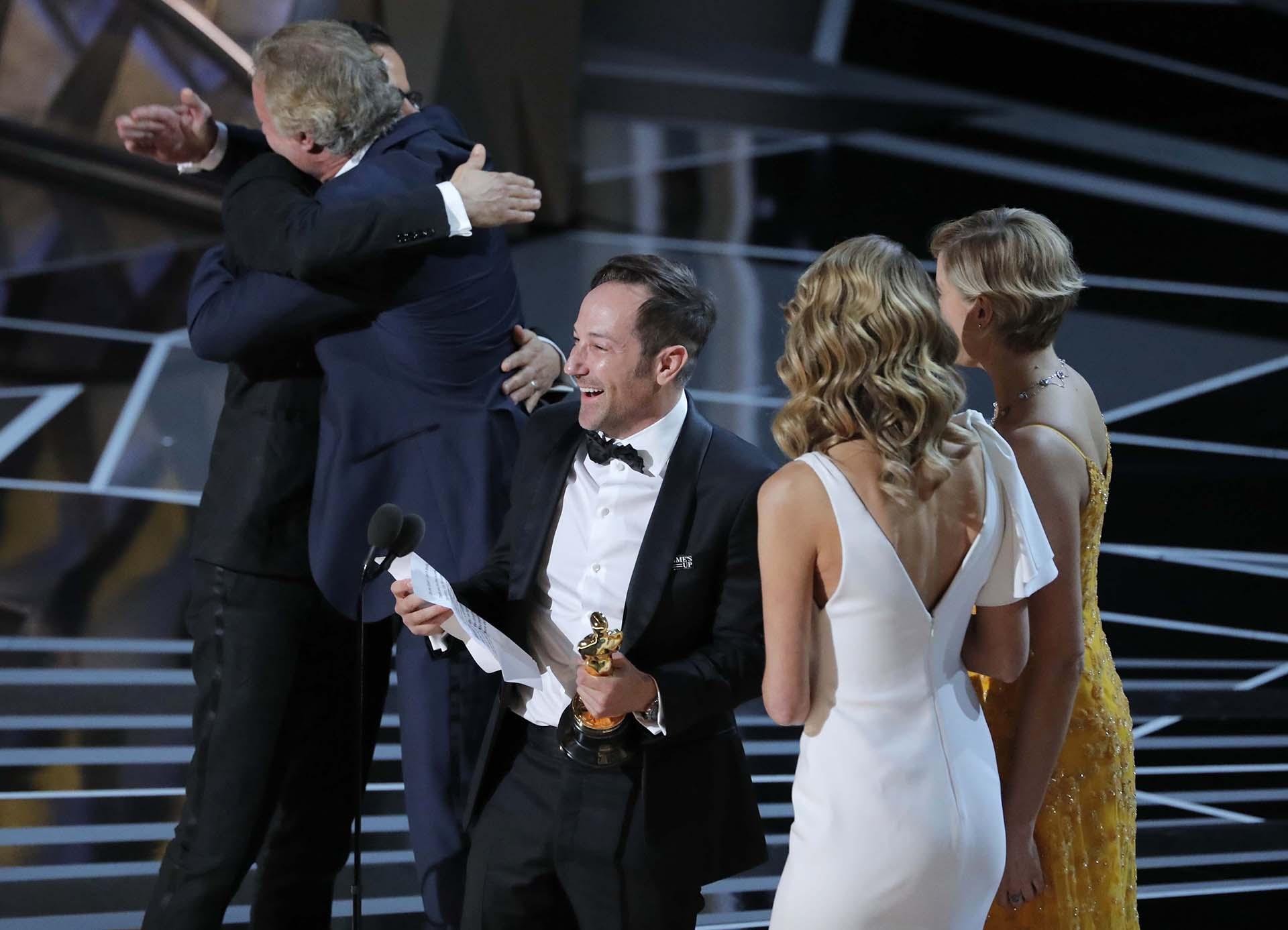 """Bryan Fogel y Dan Cogan ganaron el Oscar en la categoría Mejor Documental por """"Icarus"""""""