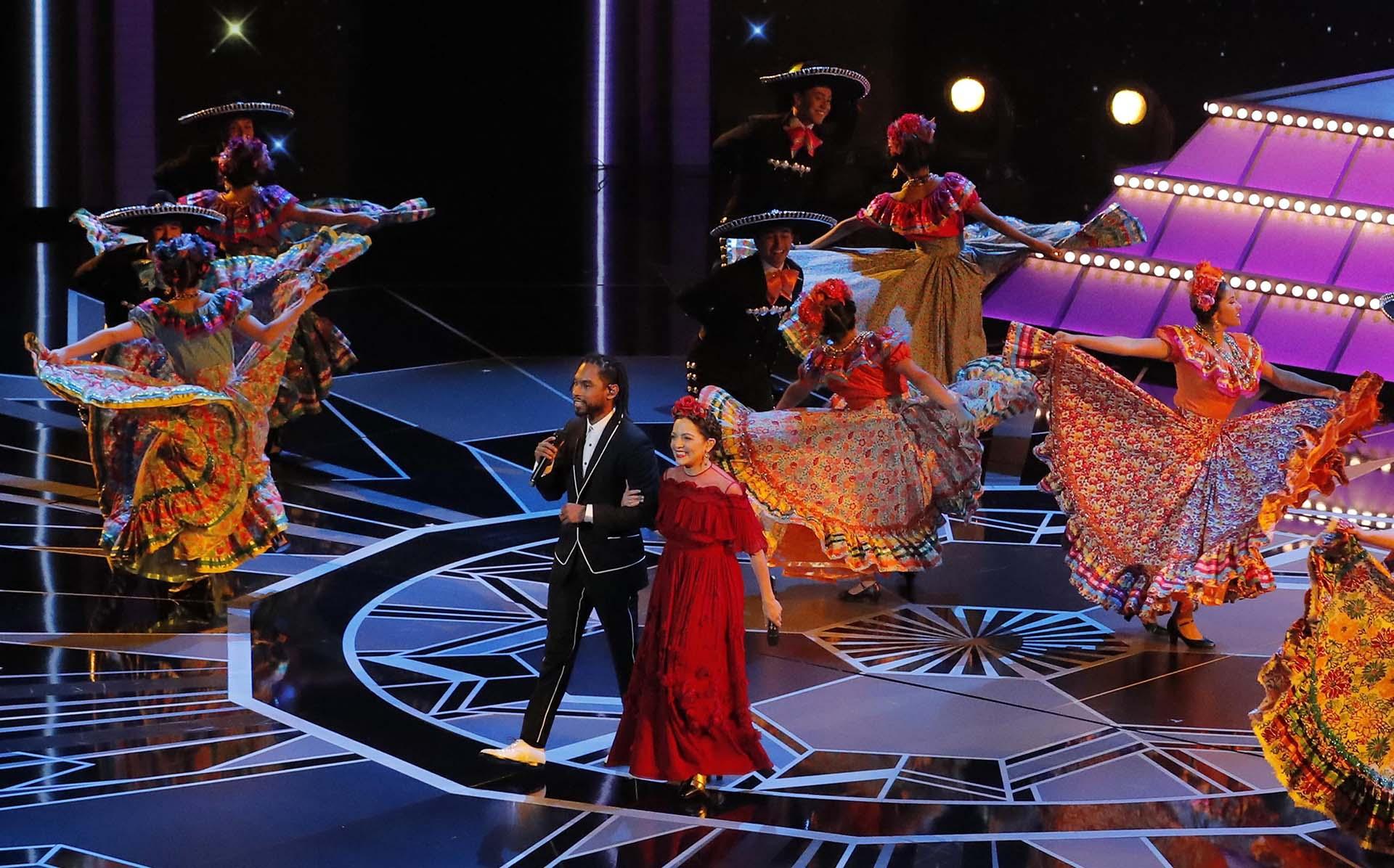 """Miguel Lafourcade y Natalia Lafourcade interpretaron el tema """"Remember Me"""", de la película """"Coco"""""""