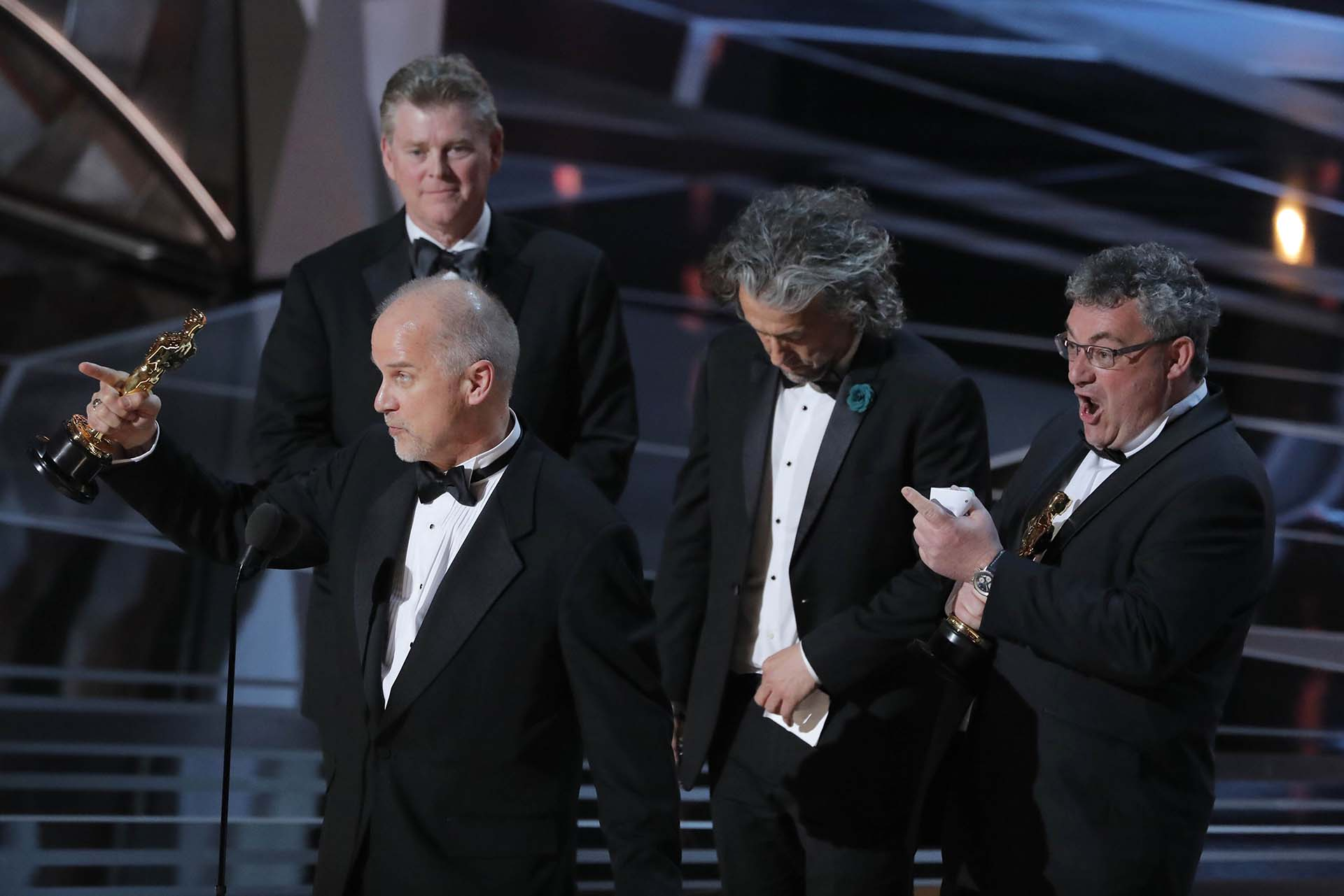 "John Nelson, Paul Lambert, Richard R. Hoover y Gerd Nefzer ganaron el premio a Mejor fotografía por ""Blade Runner 2049"""