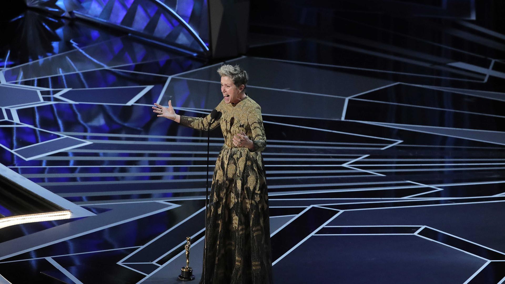 """Frances McDormand se llevó la estatuilla a la Mejor Actriz por su trabajo en la película """"Tres anuncios por un crimen"""""""