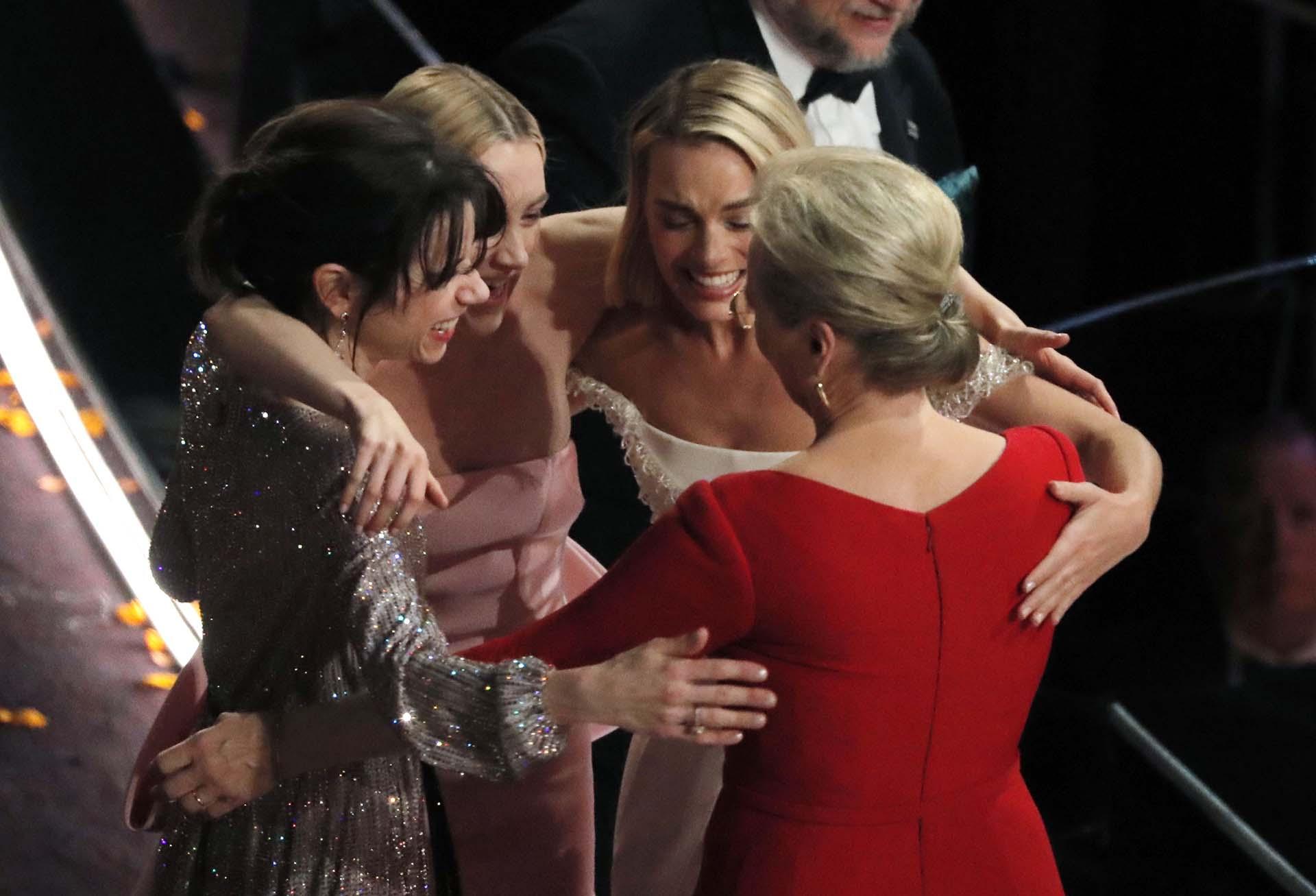 Sally Hawkins, Saoirse Ronan, Margot Robbie y Meryl Streep juntas tras perder el premio a la Mejor Actriz