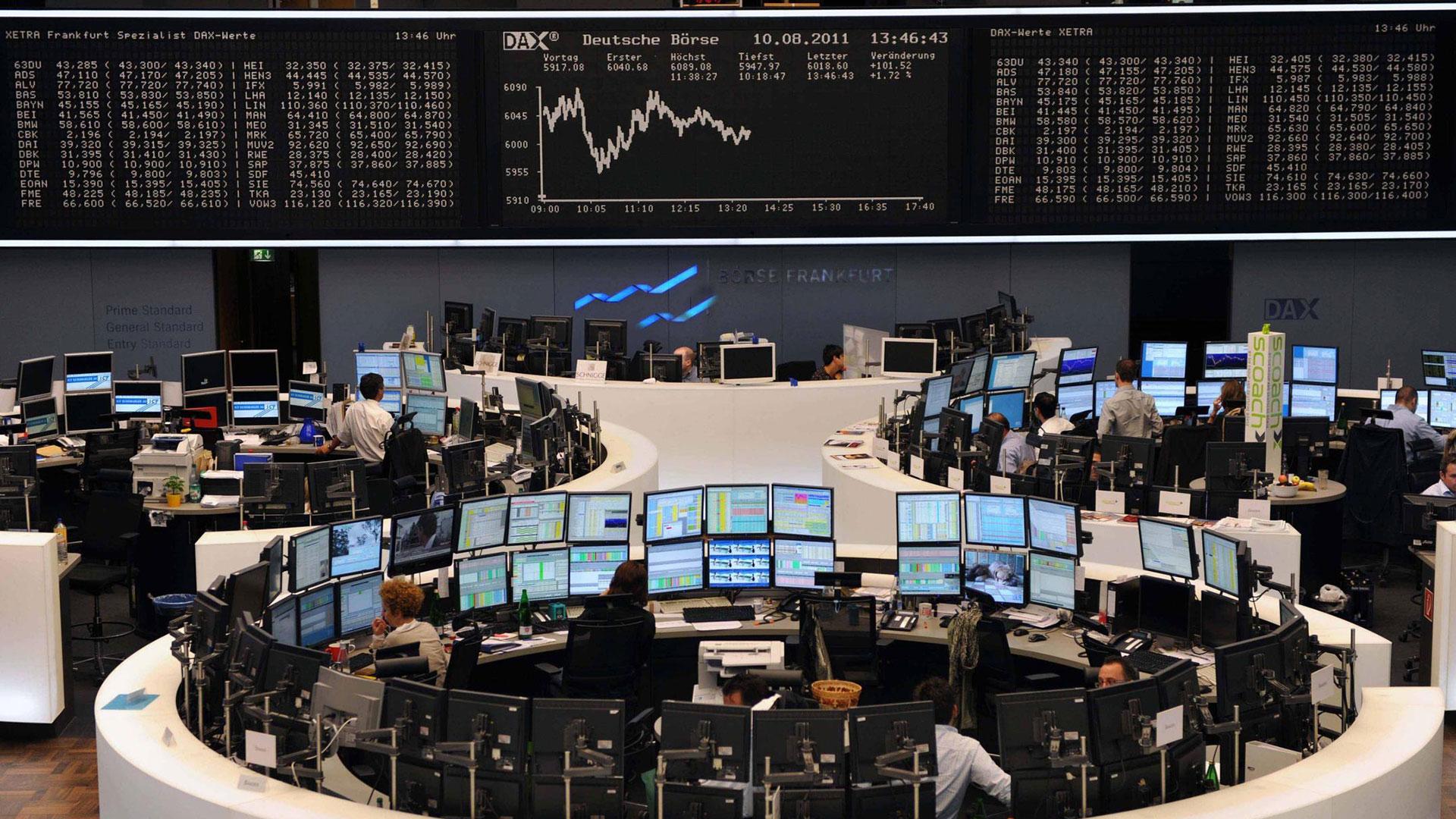 La Bolsa abrió con importantes pérdidas antes de recuperarse en parte, mientras que los inversores corrieron para deshacerse de sus bonos italianos. También en Alemania se reportaron pérdidas, aunque luego el índice DAX se recuperó (Reuters)