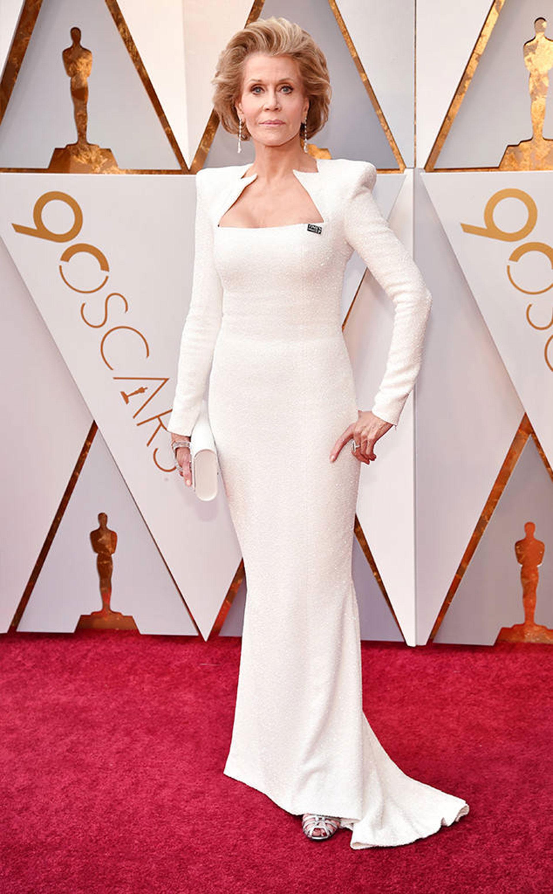 Jane Fonda, espléndida con un Balmain (Foto gentileza E!)