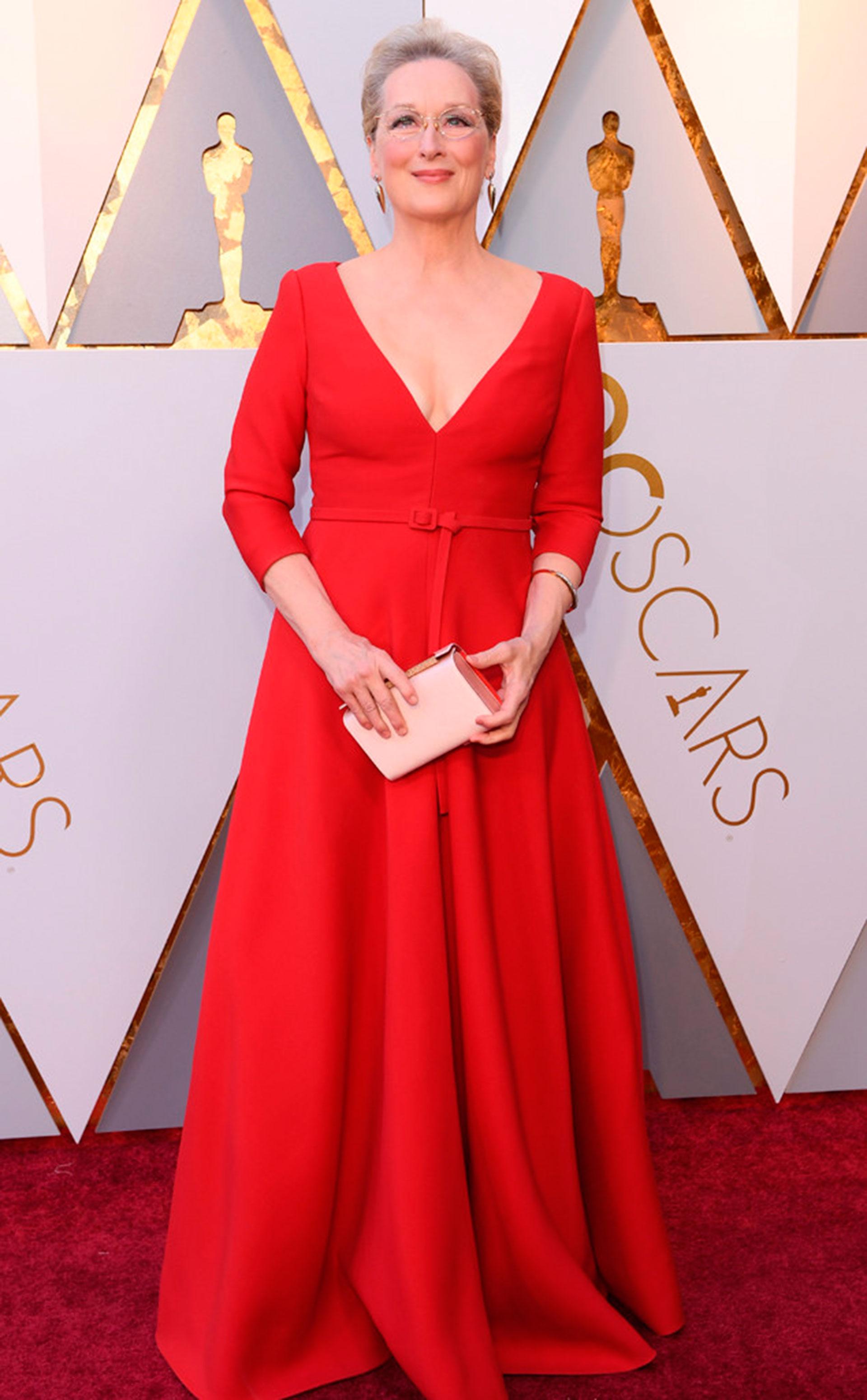 Meryl Streep, la más nominada de la historia, con un diseño en rojo y escote V (Foto gentileza E!)