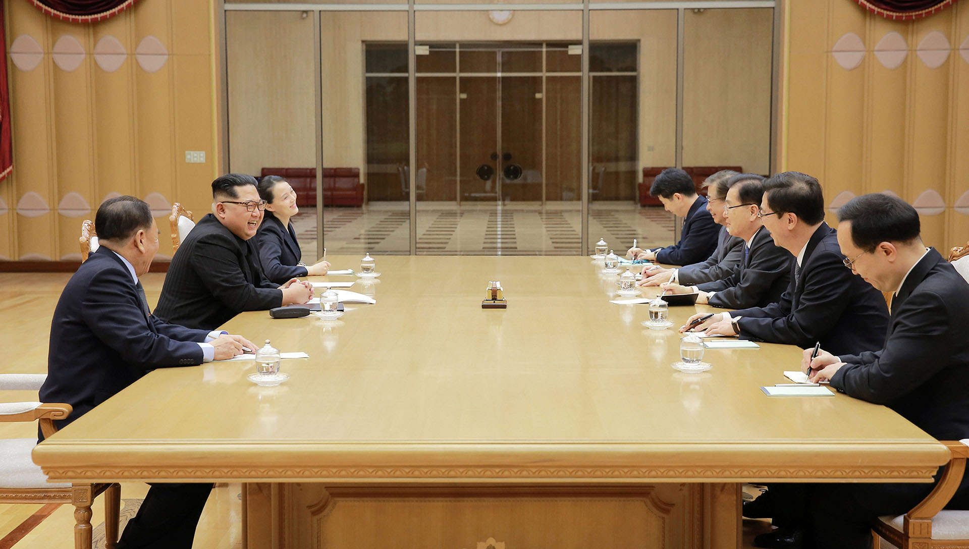 La delegación presiona para que el régimen de Pyongyang, en medio de una carrera nuclear, se siente a dialogar con Estados Unidos