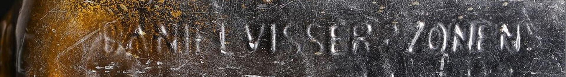 Los Illman contactaron con el Museo de Australia Occidental y el arqueólogo marítimo Ross Anderson averiguó que era una botella de ginebra holandesa del siglo XIX