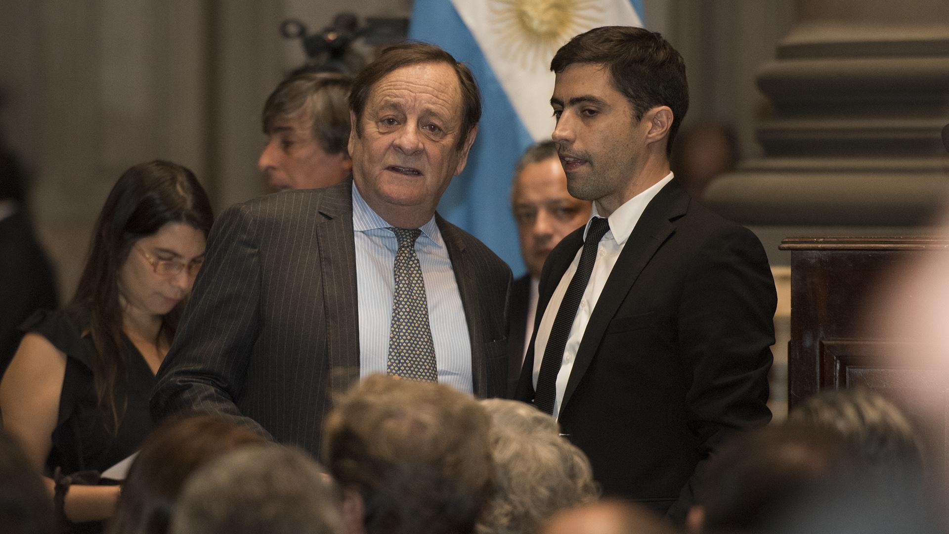 El juez federal Rodolfo Canicoba Corral y el editor general del Centro de Información Judicial, Pablo Méndez