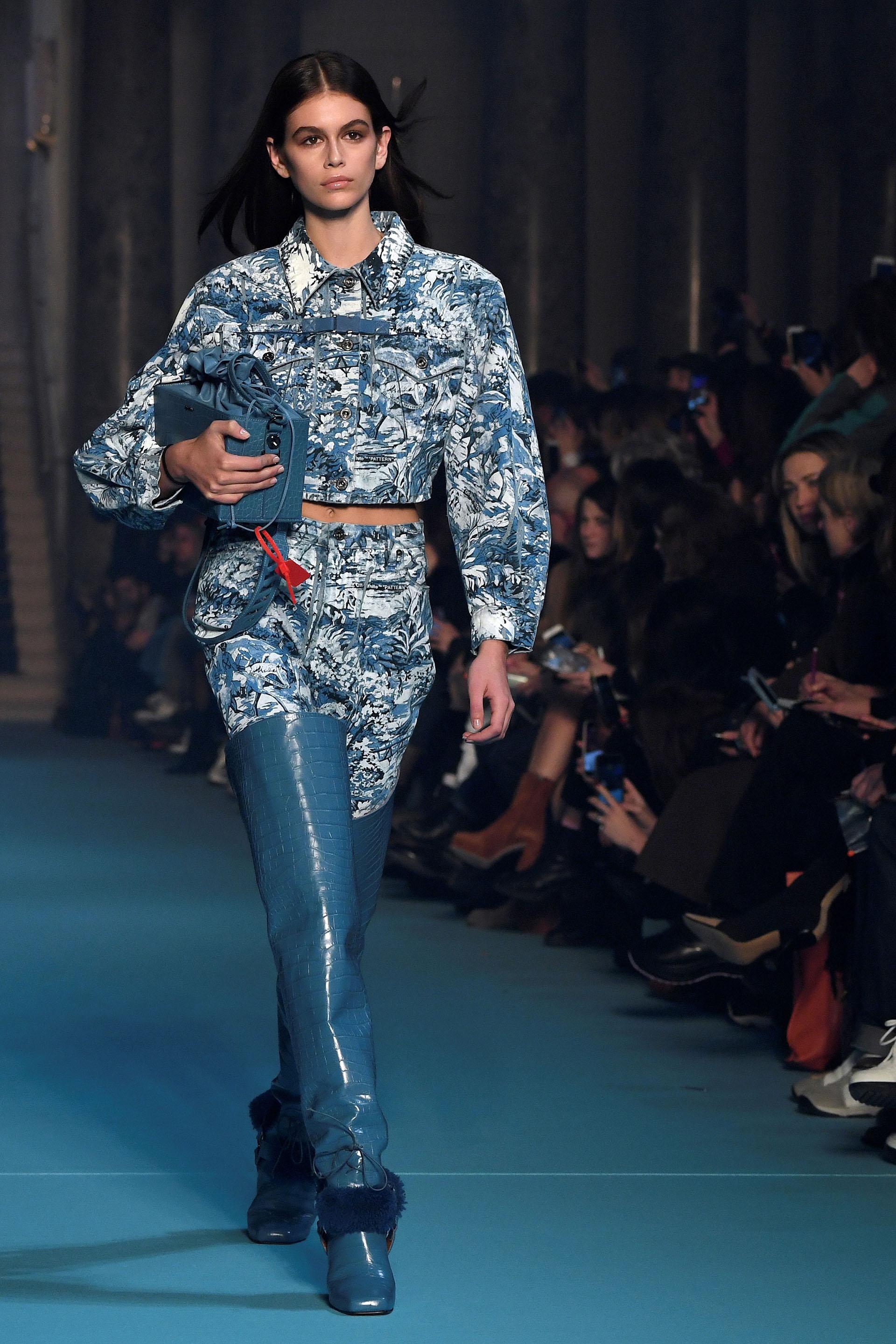 La hija de la top Cindy Crawford y Rande Gerber – Kaia Gerber- es la nueva sensanción de la moda. Elegida por los referentes de la industria