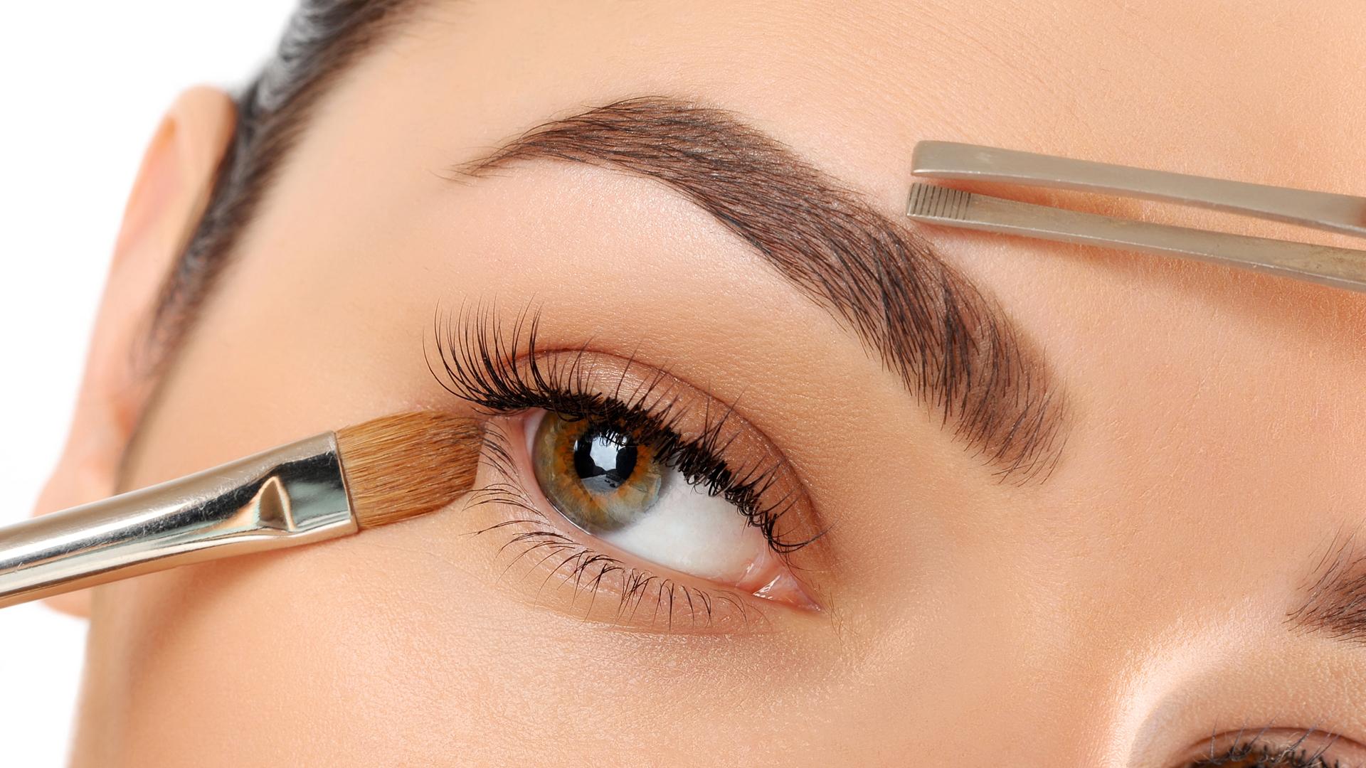 Cejas De Hombre perfilado de cejas, la última tendencia para intensificar la