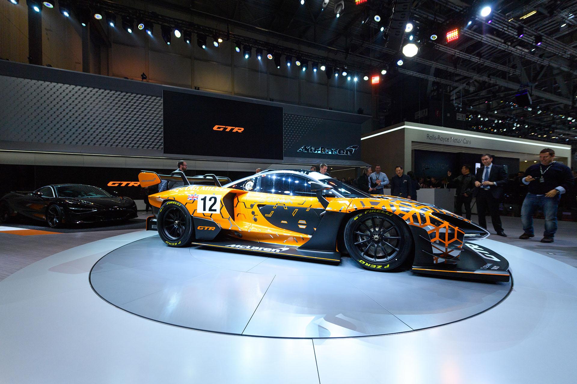 Una de las mayores atracciones de la feria helvética: el McLaren Senna GTR es la versión más radical de la ya extrema construcción de la automotriz británica. El argentino Esteban Palazzo, Senior Designer de la marca, estuvo a cargo del diseño del deportivo