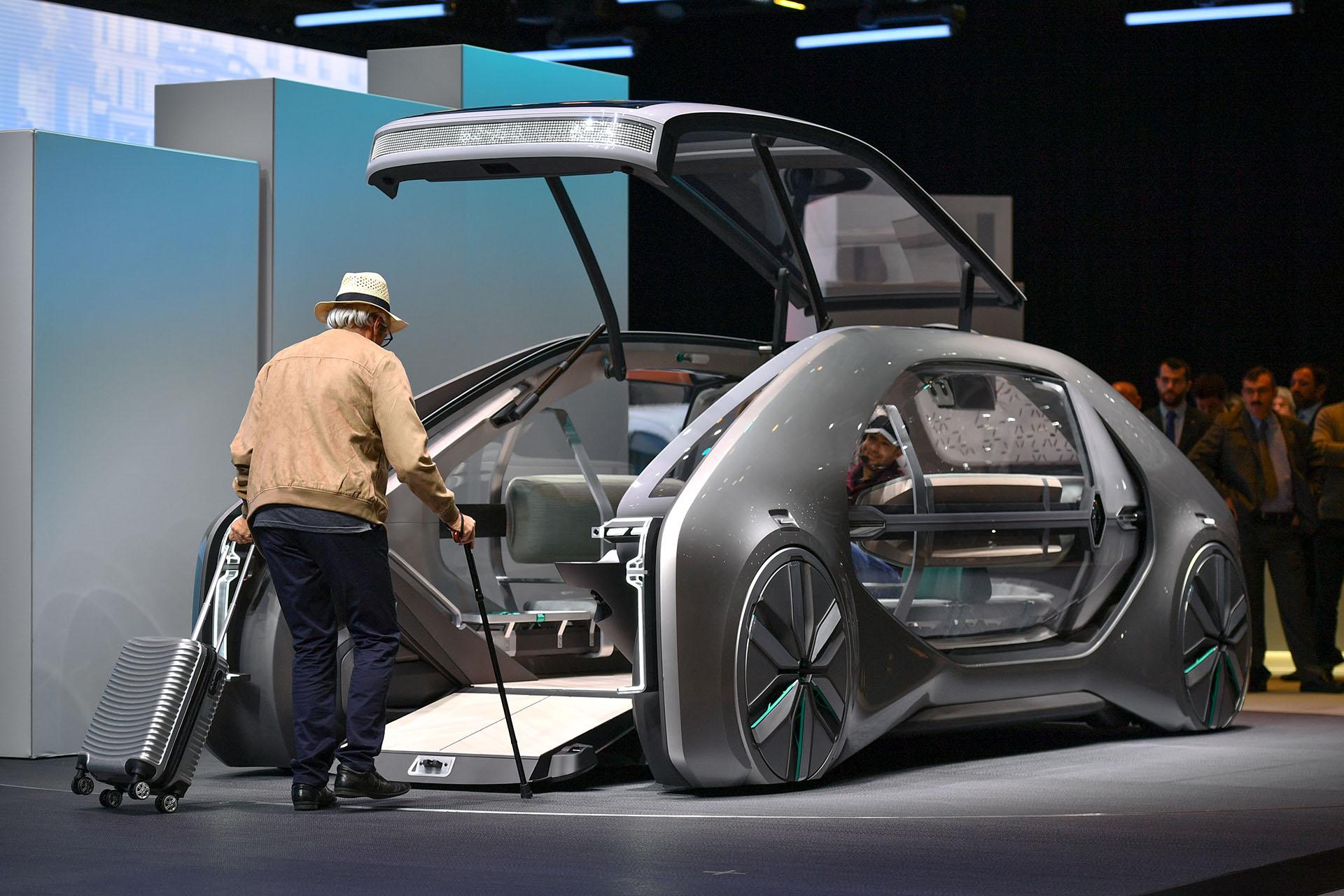 El prototipo EZ-GO es uno de los modelos más exóticos que se exhiben en el Palexpo de la ciudad suiza. El concepto de Renault es autónomo, eléctrico, conectado y un nuevo concepto en movilidad democrática, sin distinciones