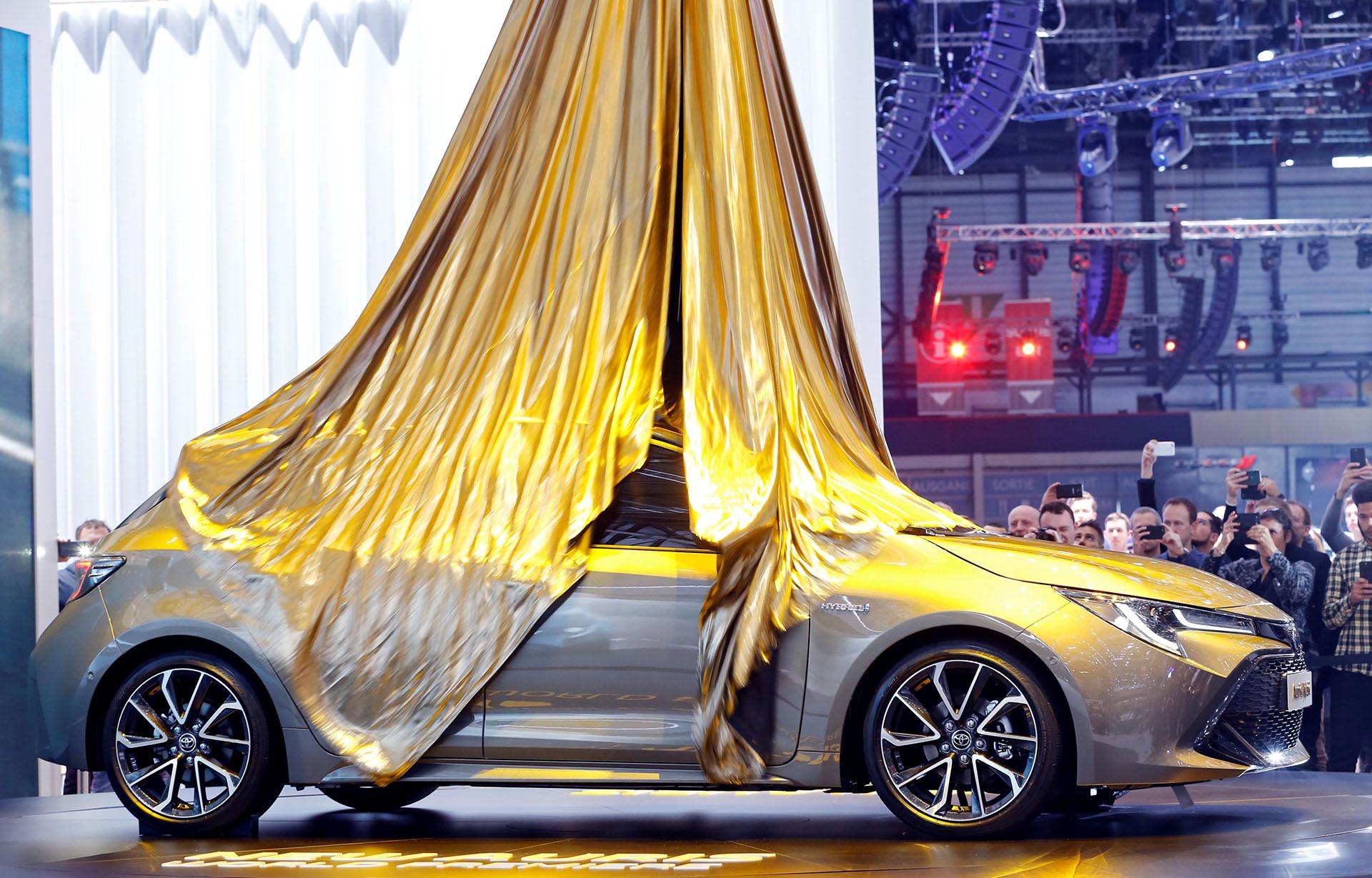La apuesta fuerte de Toyota para la edición 88° del Salón de Ginebra es el Auris, la tercera generación del compacto japonés que refuerza la posición de liderazgo en motorización híbrida