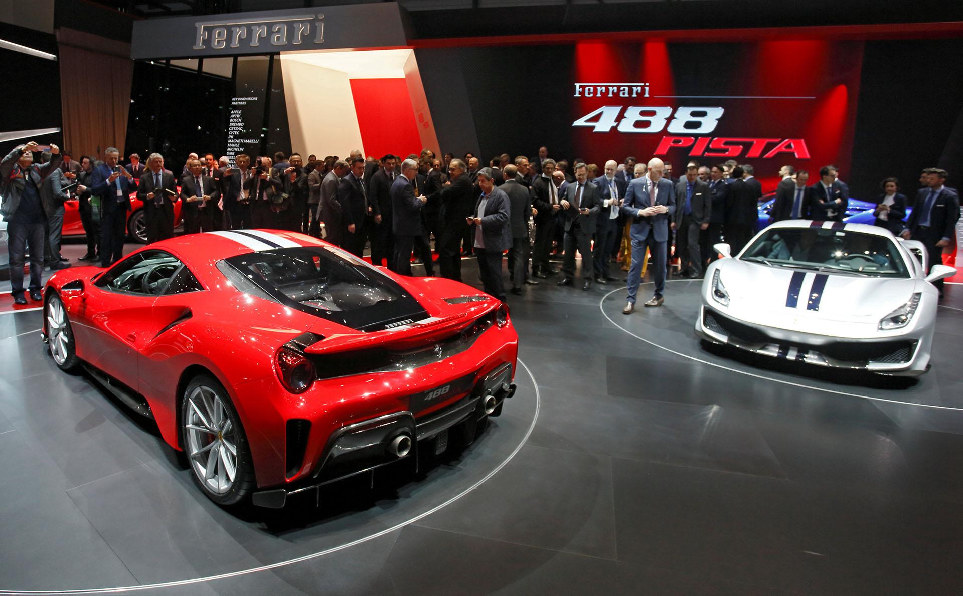 Se presume que las primeras entregas a compradores europeos del 488 Pista sucedan a fines de año. Pero desde la Argentina, el Gruppo Modena -el importador de Ferrari y Maserati- ya recibió dos pedidos de compra del nuevo modelo fabricado en la planta de Maranello, que llegarán recién en 2019