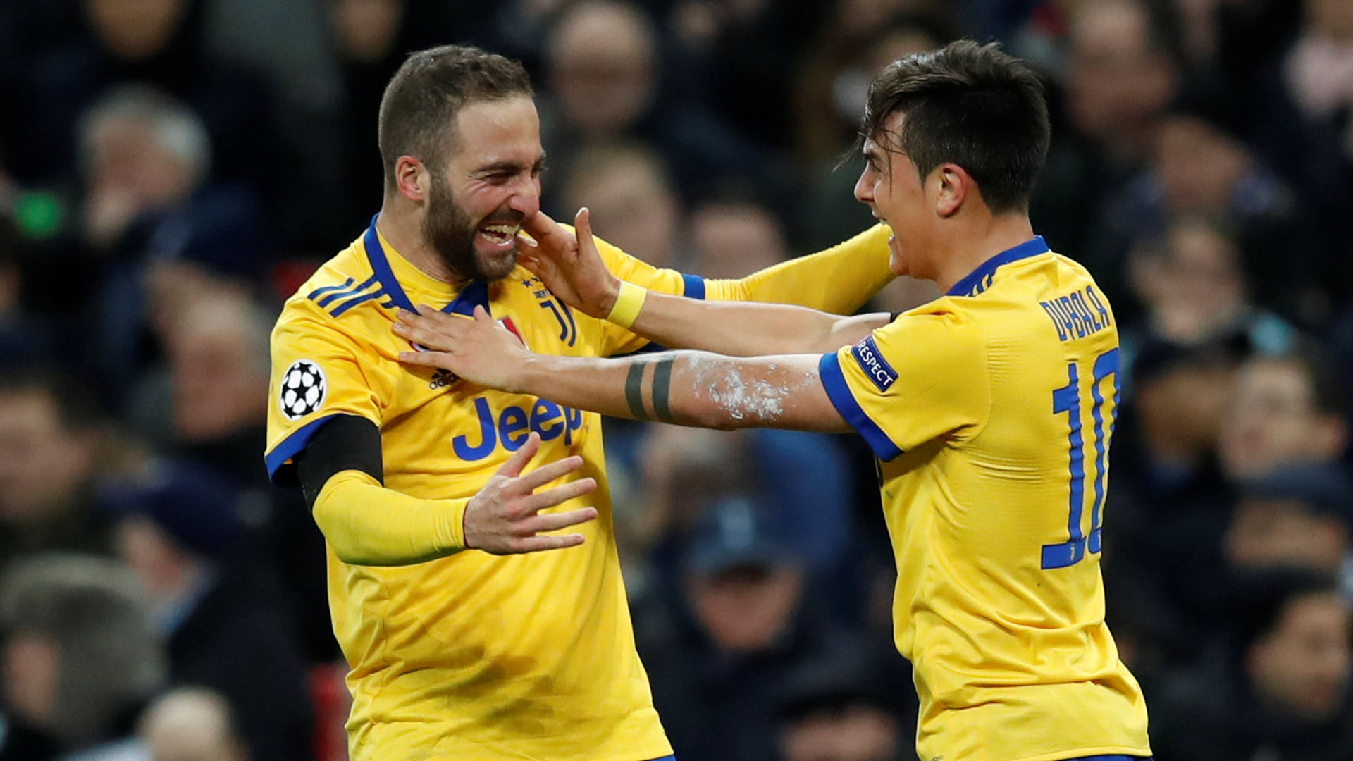 Gonzalo Higuaín y Paulo Dybala, artífices de la clasificación de Juventus ante Tottenham (Foto: REUTERS)