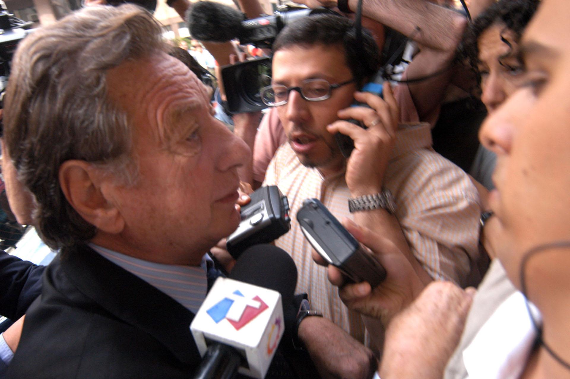 A principios de diciembre había sido citado a declarar por el juez Bonadio en una causa derivada de los cuadernos de Oscar Centeno (NA)