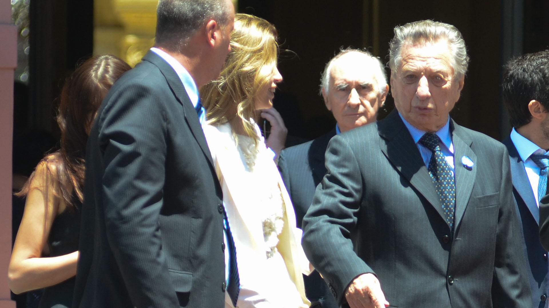Estuvo casado con Alicia Blanco Villegas, de quien se divorció en 1980, y con Cristina Greffier (Verónica Jacobson)