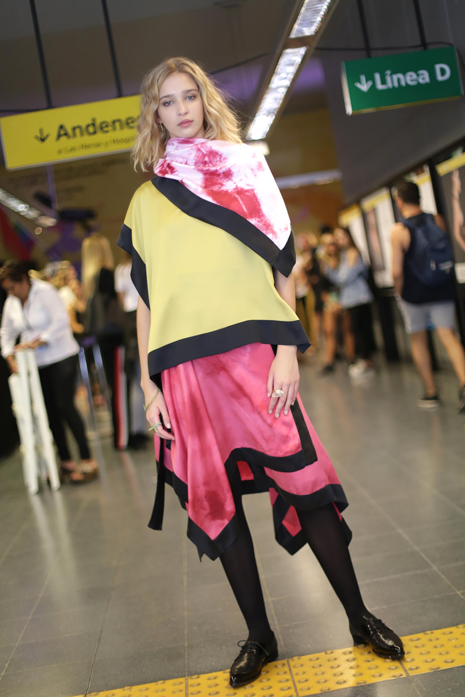El programa de Autores de Moda BA consiste en un ciclo de desfiles, seminarios y asesoramientos que brindan apoyo y continuidad al trabajo de los diseñadores de indumentaria. Colección Belén Amigo