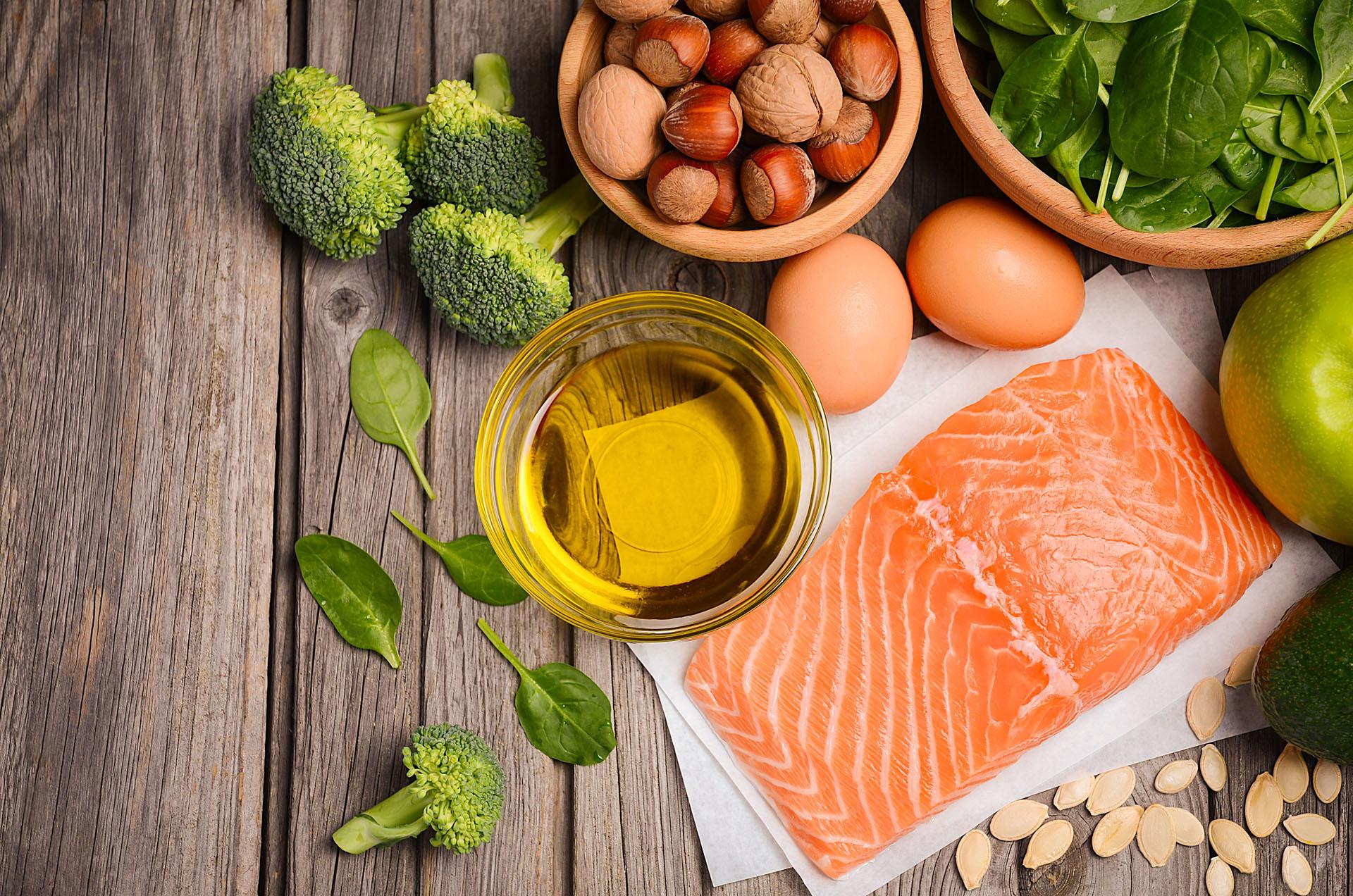 Loideal es incorporar los pescados en la dieta dos veces por semana para obtener una piel más radiante (Getty Images)