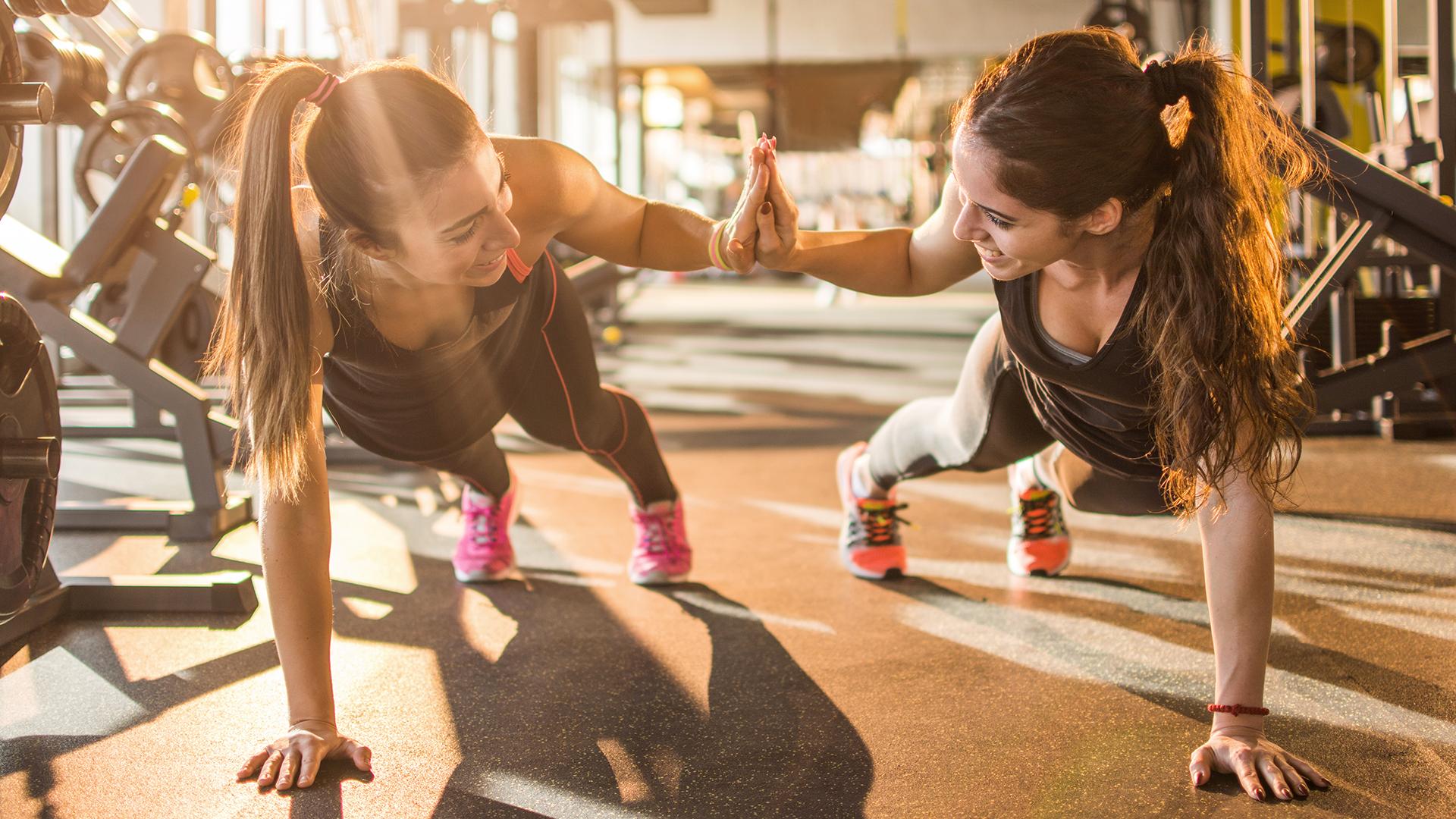 El ejercicio es clave a la hora de mantener la masa y el tono muscular durante el tratamiento de descenso de peso (Getty)