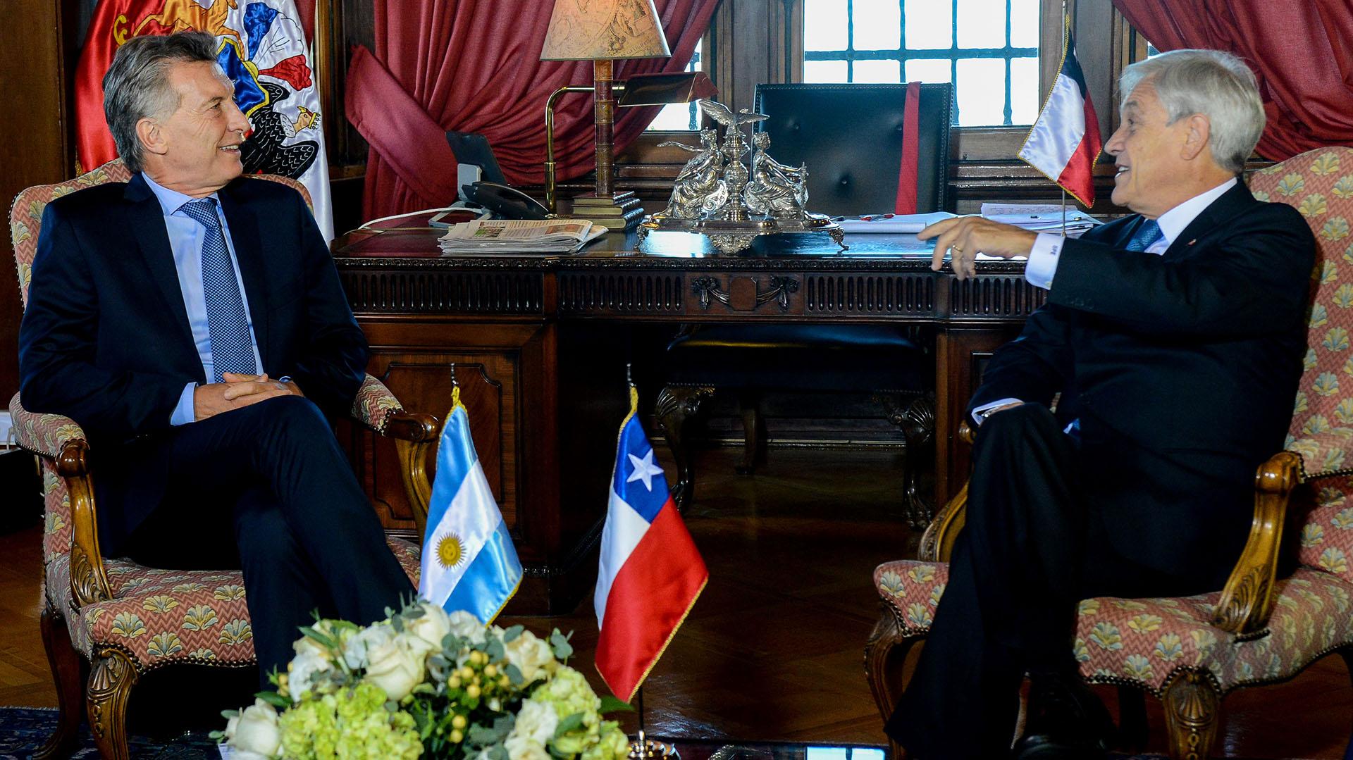 Macri y Piñera en la reunión que tuvieron el 11 de marzo, antes de la ceremonia de asunción.