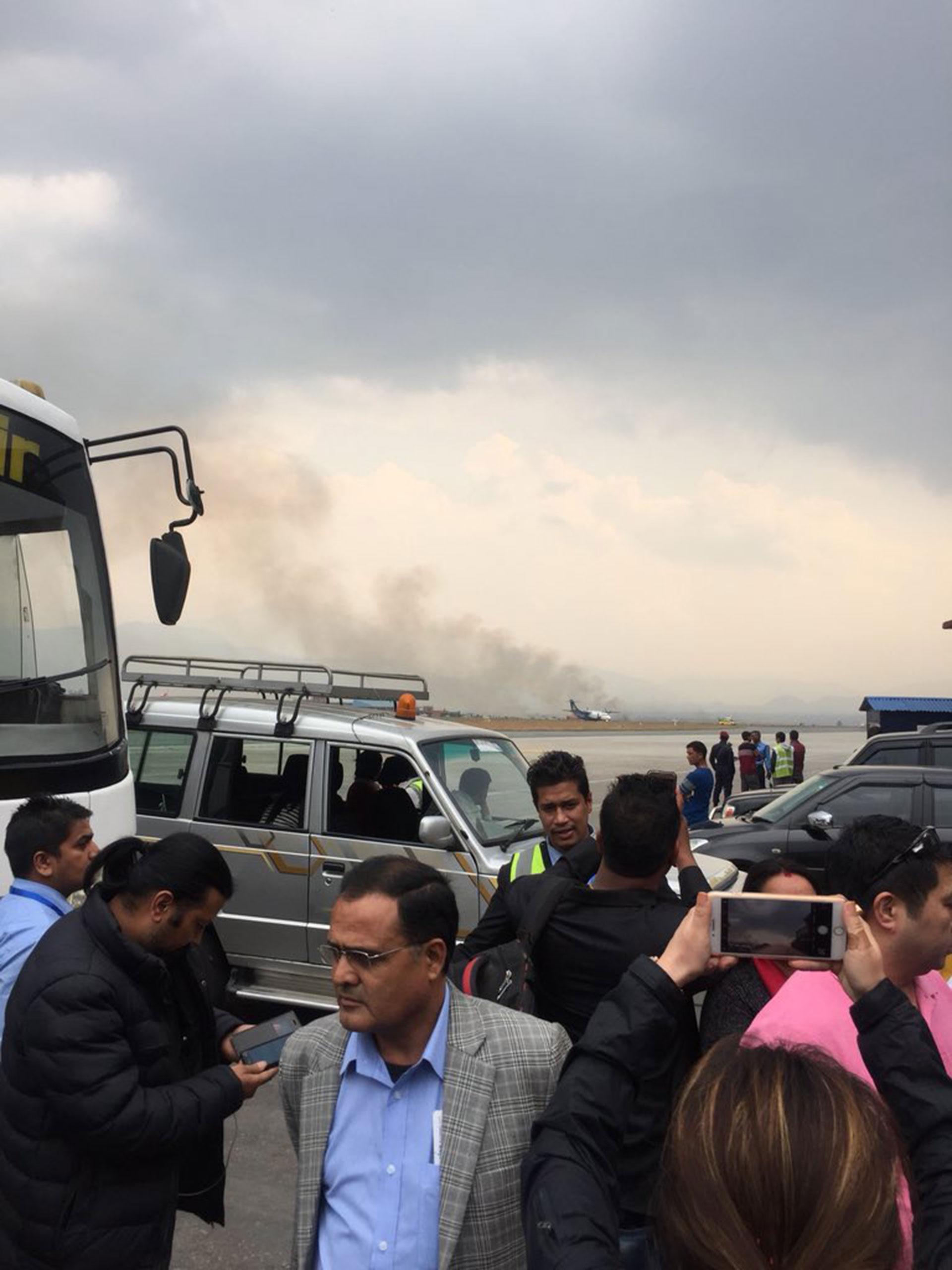 La vista desde la zona del descenso de los pasajeros en el aeropuerto de Tribhuvan