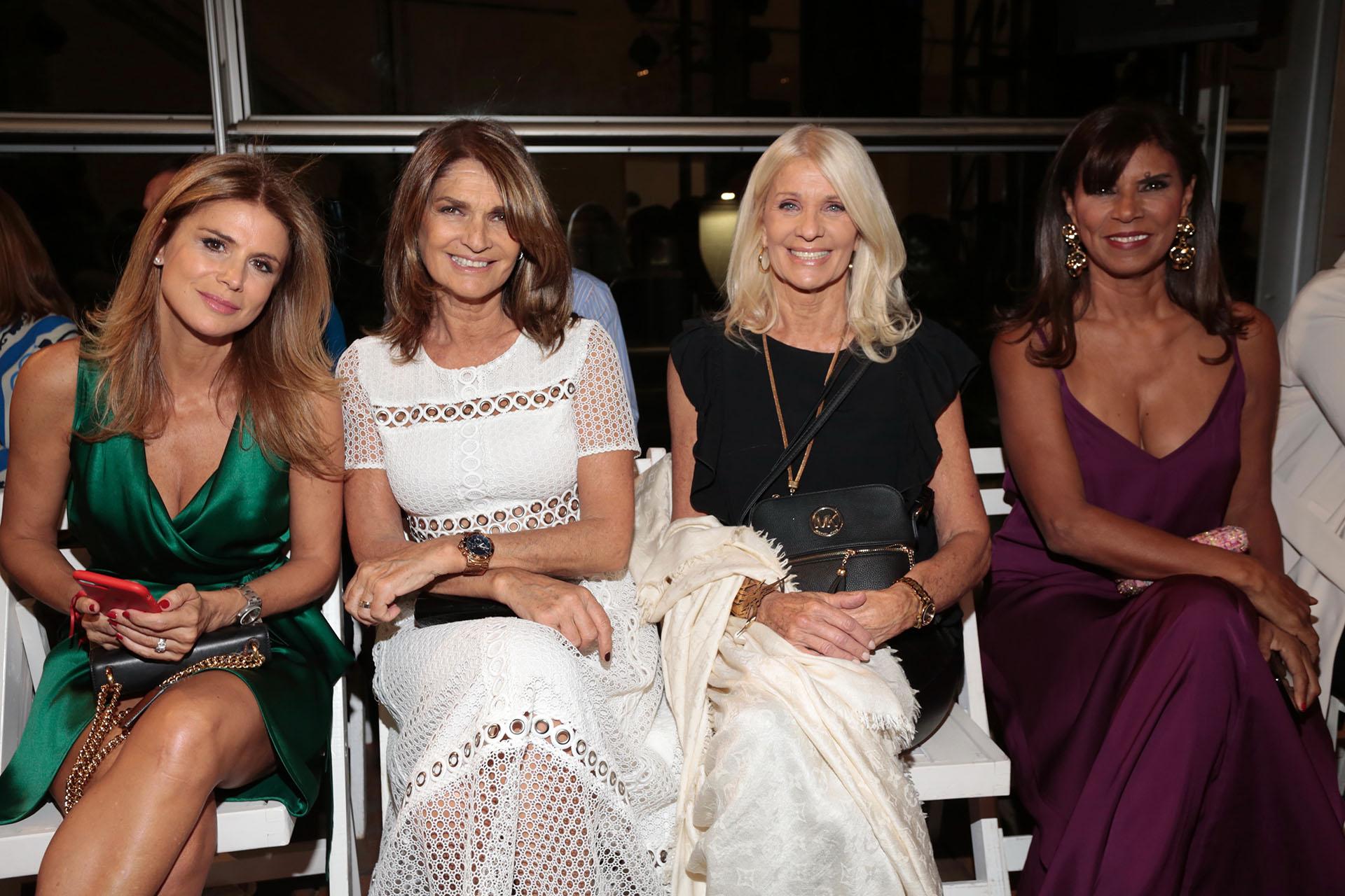 Flavia Palmiero, Teresa Calandra, Evelyn Scheidl y Anamá Ferreira, ex modelos en primera fila