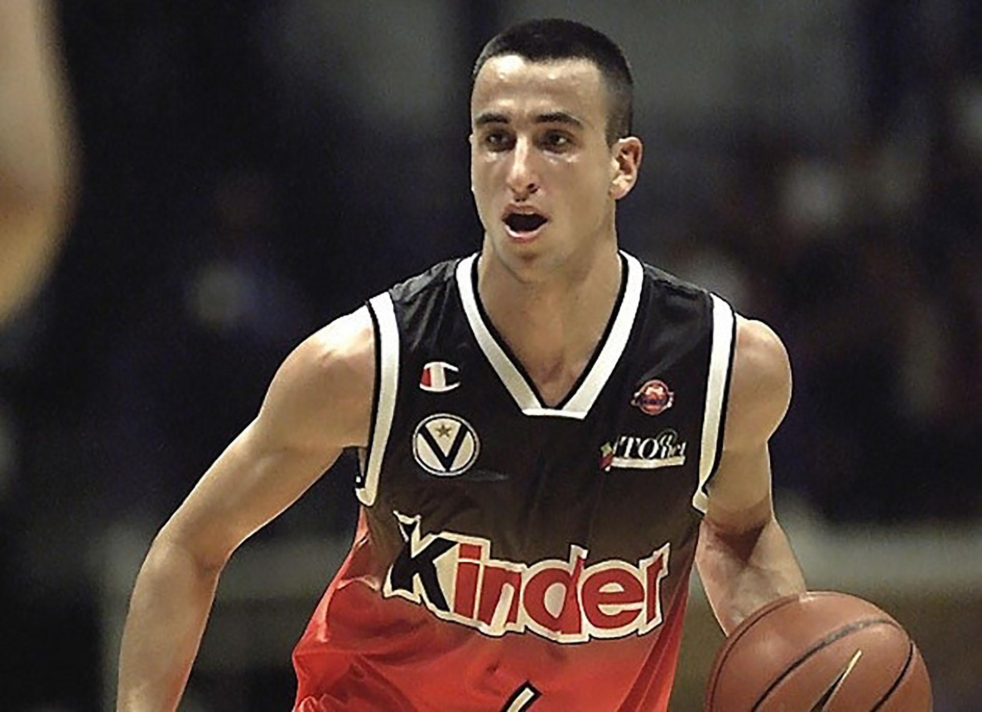 En el Kinder Bolonia de Italia en 1999, de allí pasaría a los Spurs en 2001