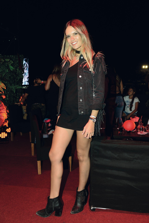 Eva Bargiela, modelo de Multitalent Agency, tuvo una noche agitada. (Fotos Diego Soldini/GENTE y Sergio Santillán/Fénix)