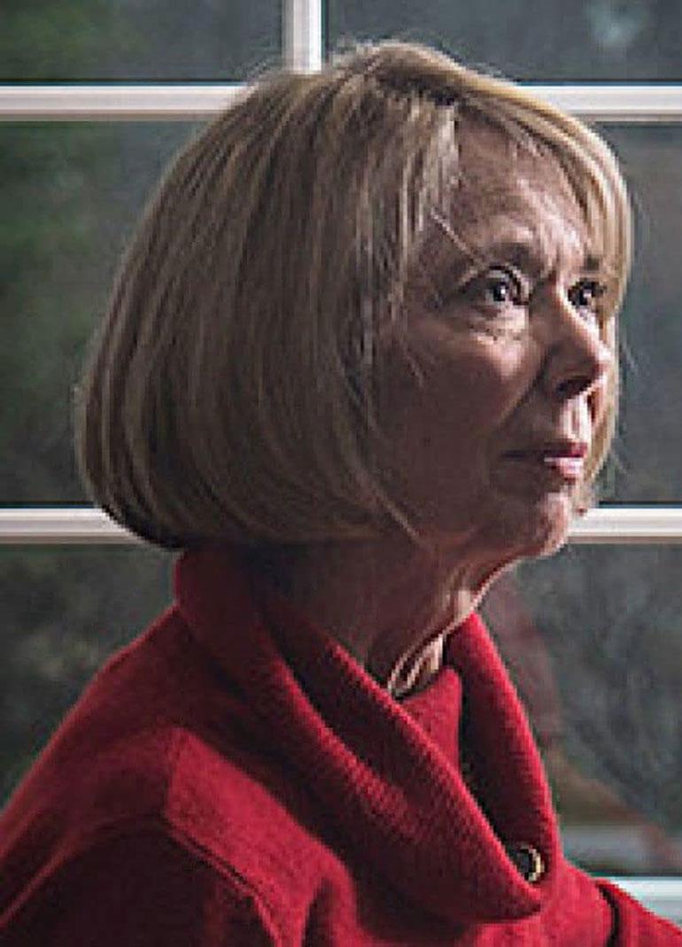 Sandy Grimes en 2013, en una fotografía tomada por The Washington Post. Fue clave, junto a Jeanne Vertefeuille en la captura de Aldrich Ames, un espía soviético que trabajaba en la CIA