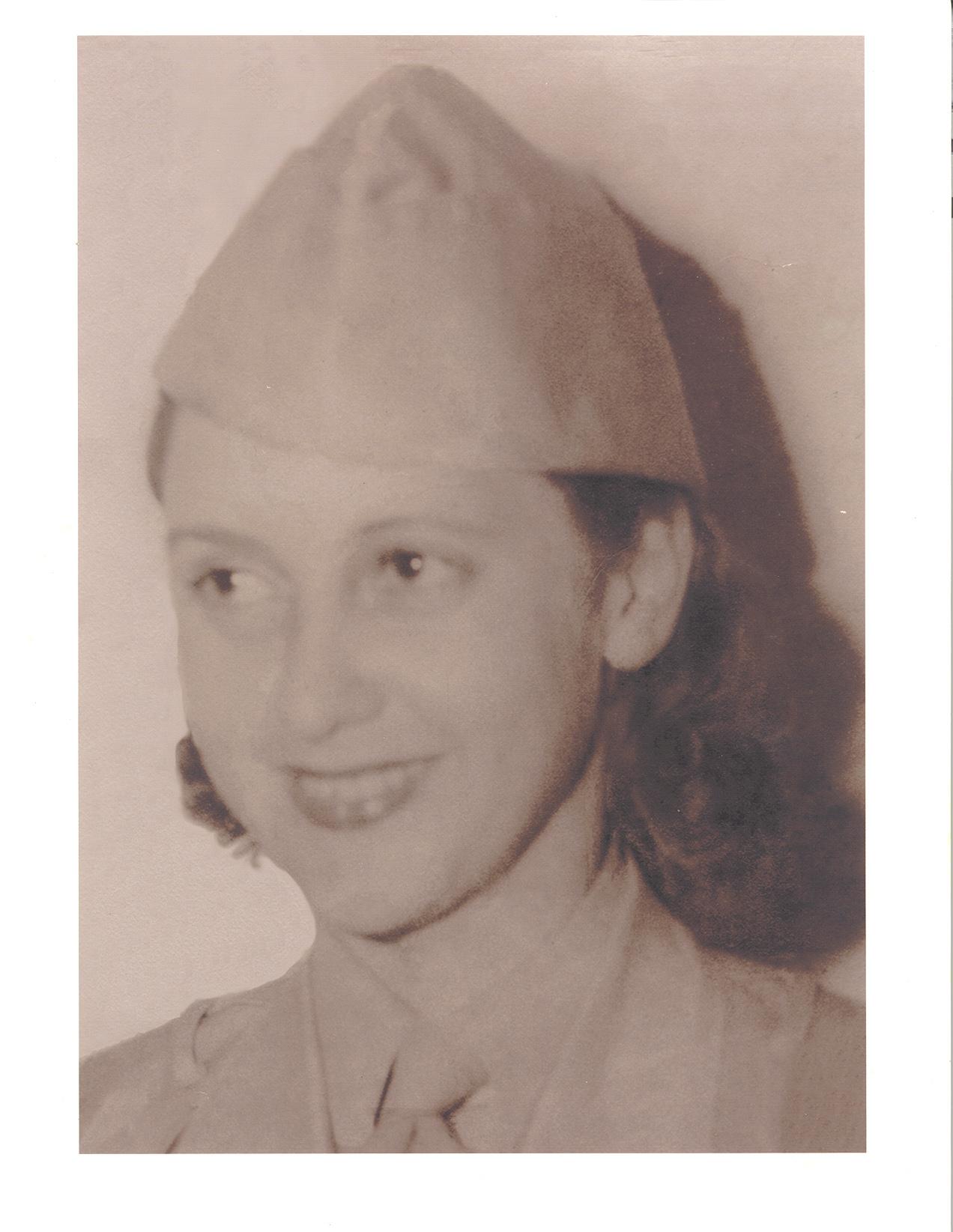 Retrato de Elizabeth McIntosh cuando fue reclutada por la OSS