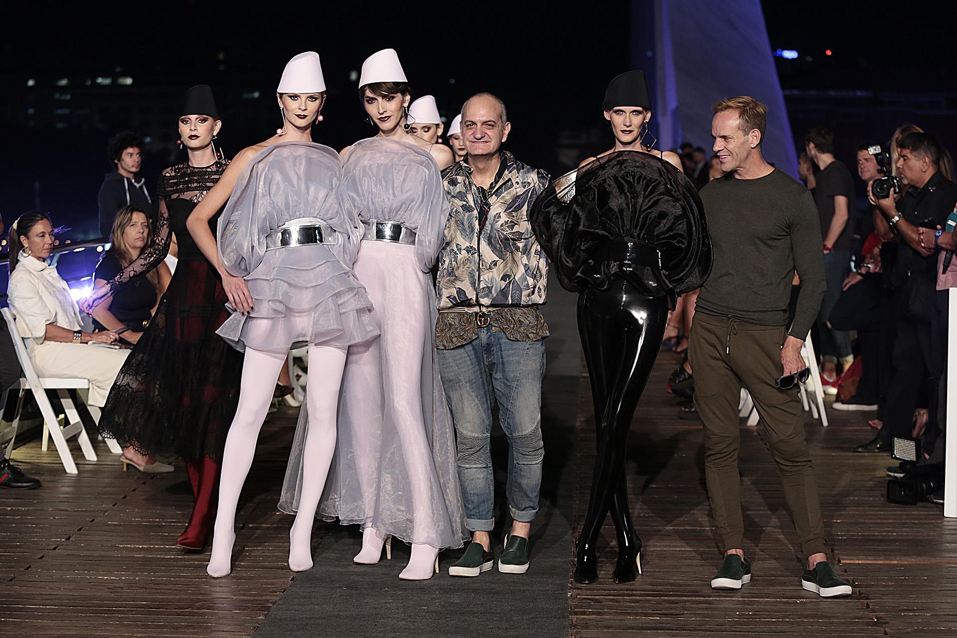 Fin del show de Laurencio Adot junto a Thiago y las modelos que lucieron la colección DOTWARS
