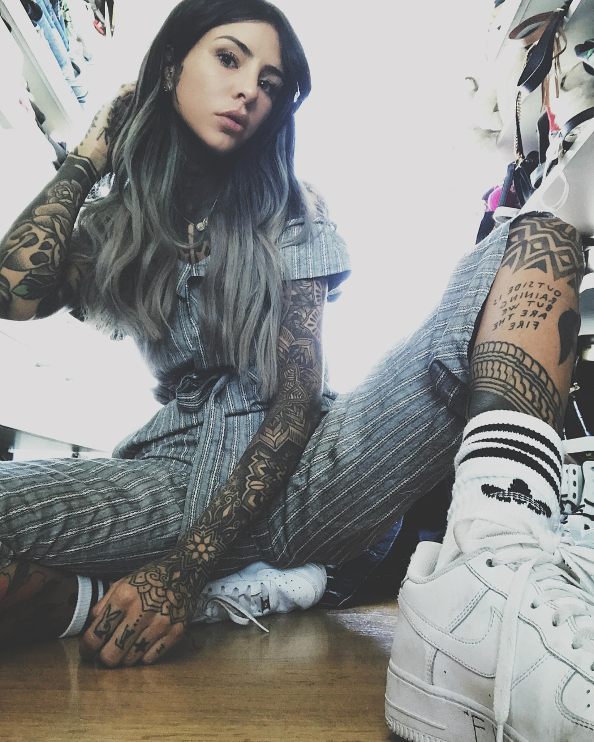 Candelaria Tinelli se cambió el look: se hizo unas mechas grises. Este color es una tendencia que se puso de moda (Instagram)