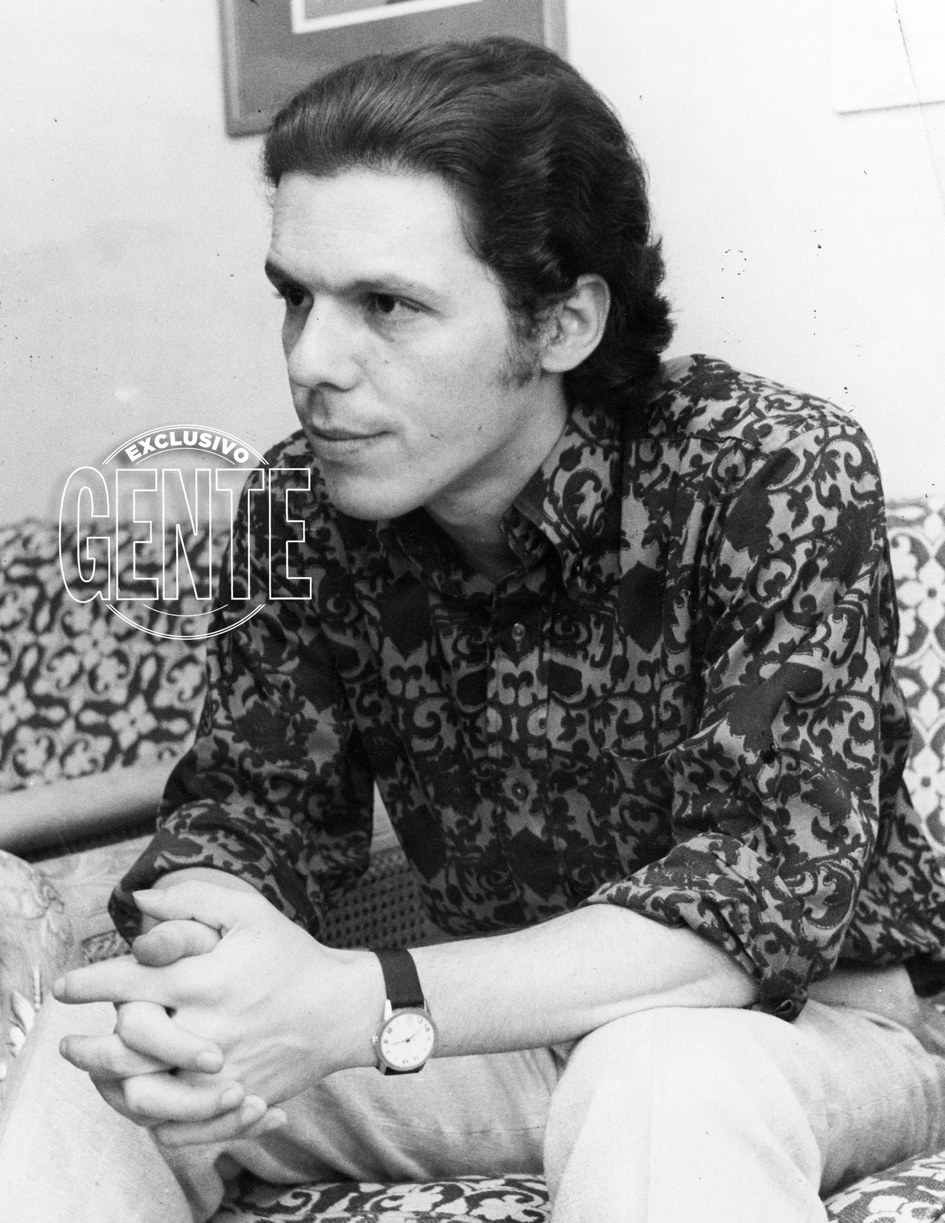 Con el pelo un poco más largo en 1970, look que mantendría a lo largo de los años. (Foto archivo GENTE)