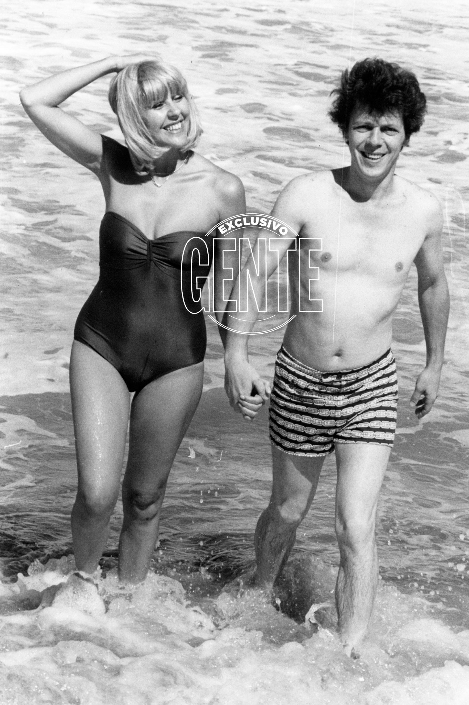 Con Dorys del Valle fueron pareja por casi 20 años. En la playa en 1980 (Foto archivo GENTE)