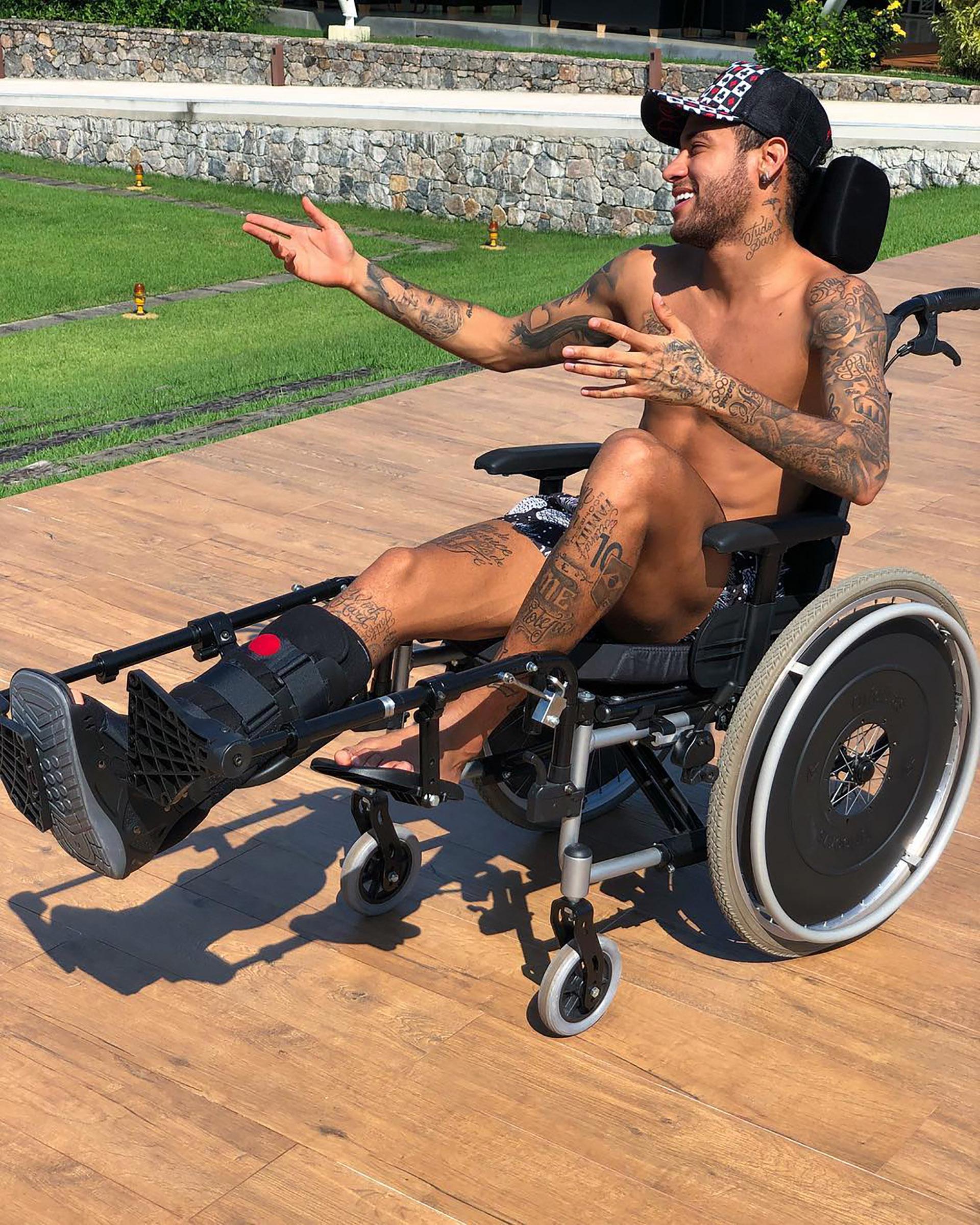 Neymar realizó la rehabilitación en Brasil pero ahora se encuentra en Francia junto al plantel del PSG