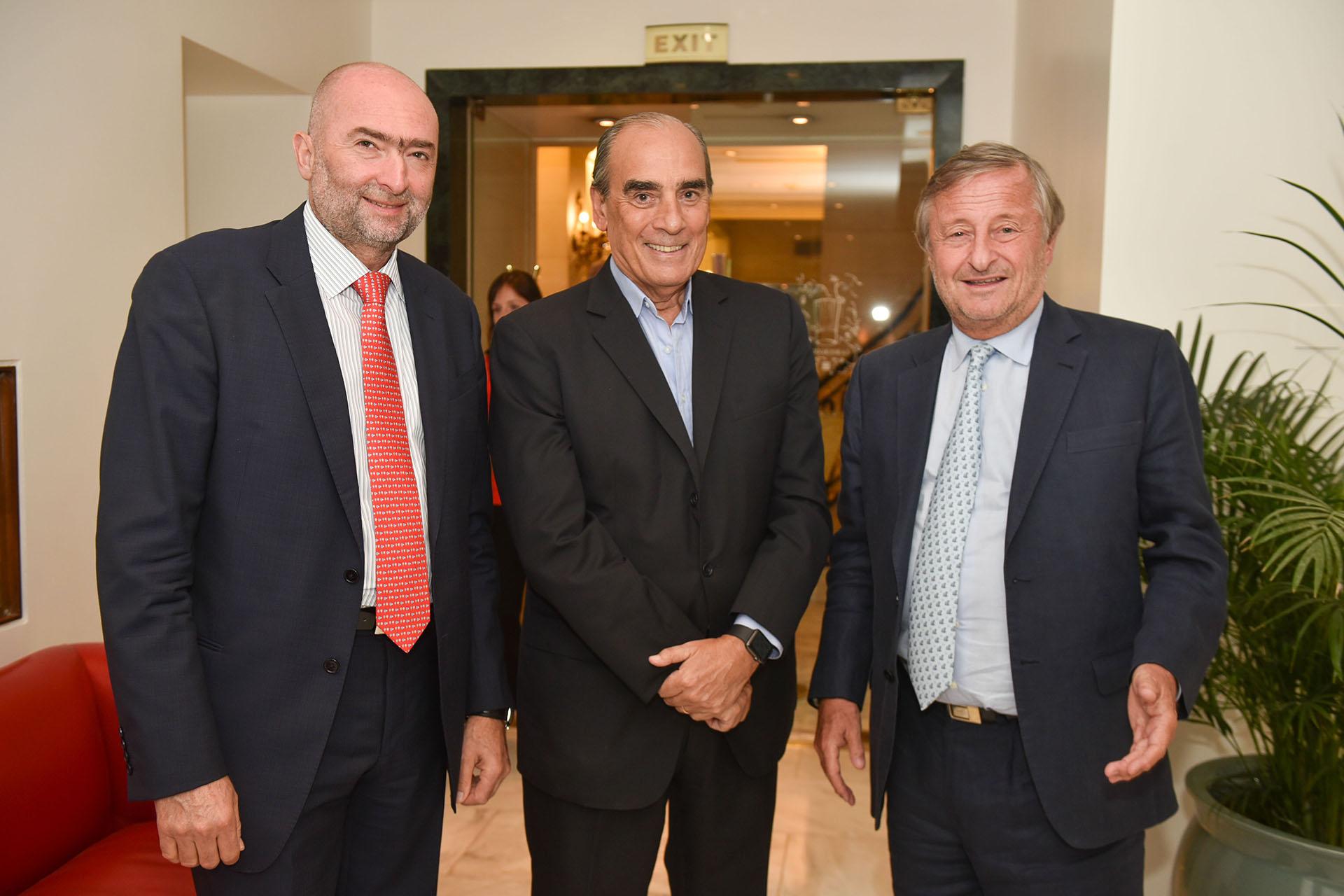 El empresario Gustavo Cinosi, Guillermo Francos (presidente del banco digital Wanap) y Cristiano Rattazzi