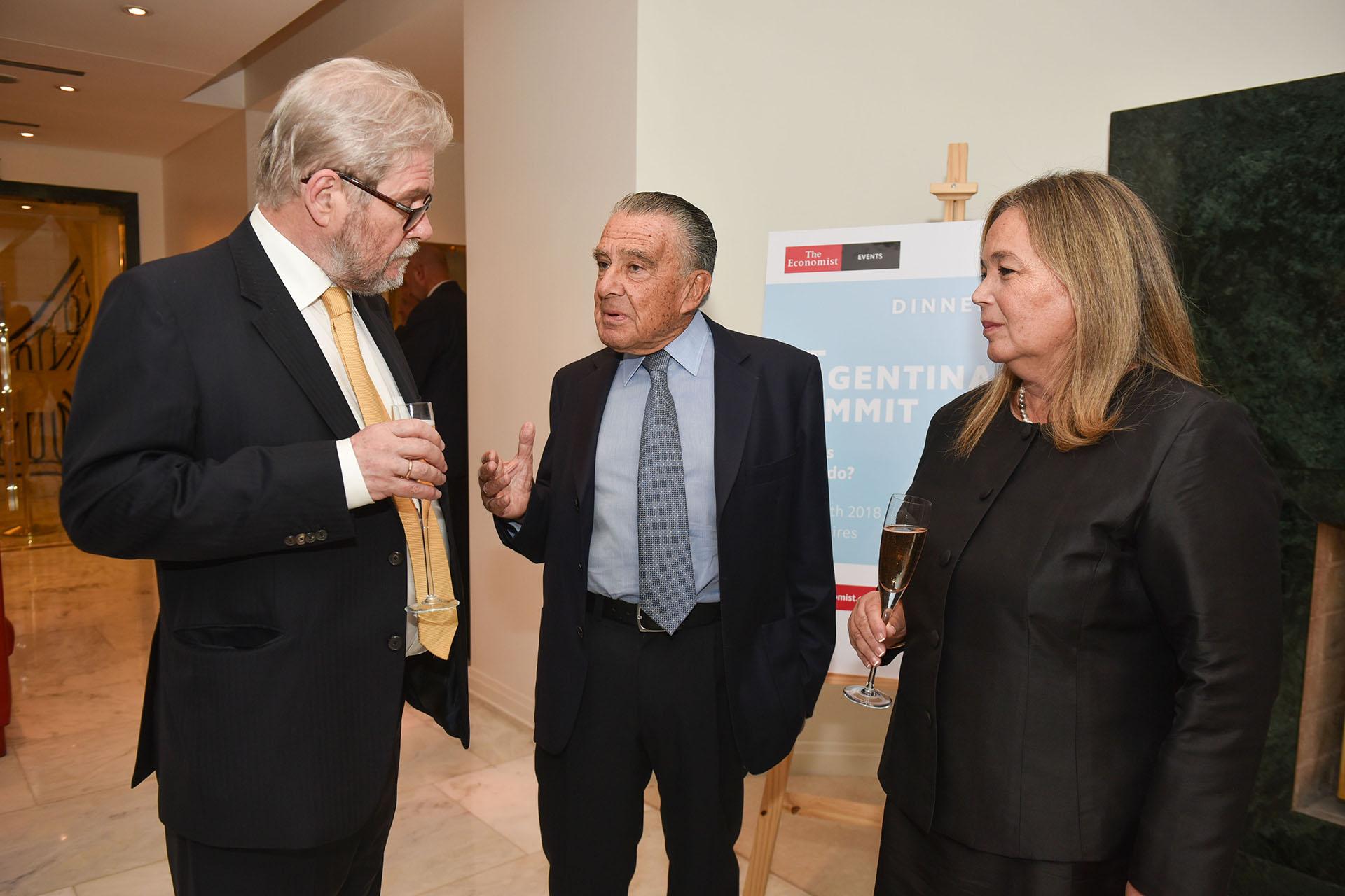 Michael Reid, Eduardo Eurnekian y Susana Medina