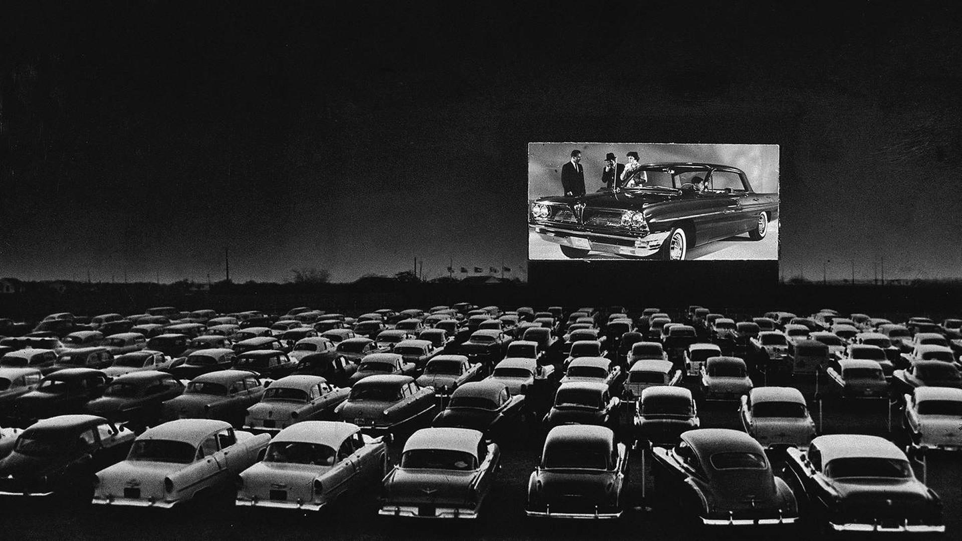 Autocine, la épica del rito de ver películas en la butaca de un ...