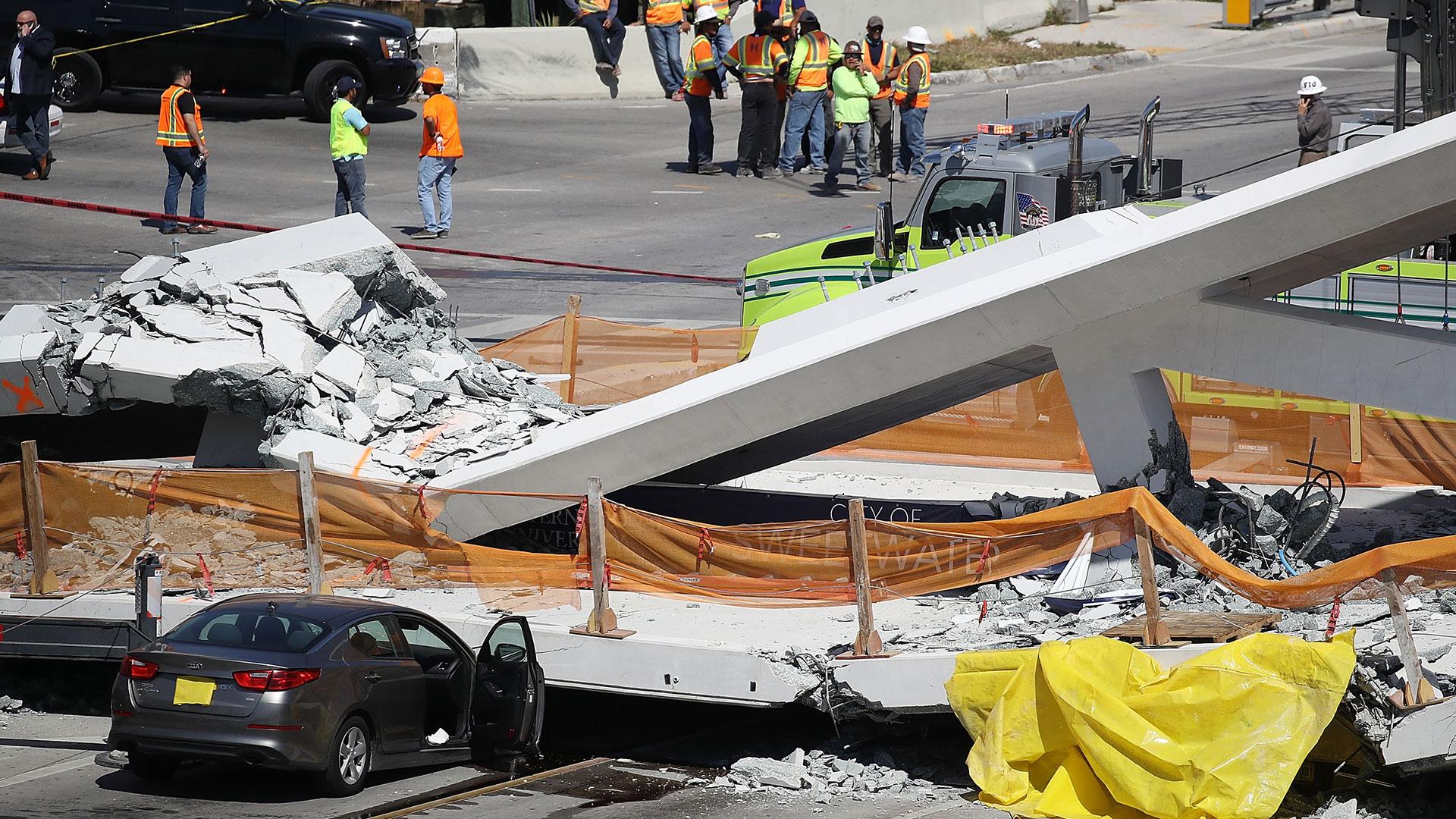 El puente había sido montado el sábado pasado (AFP)