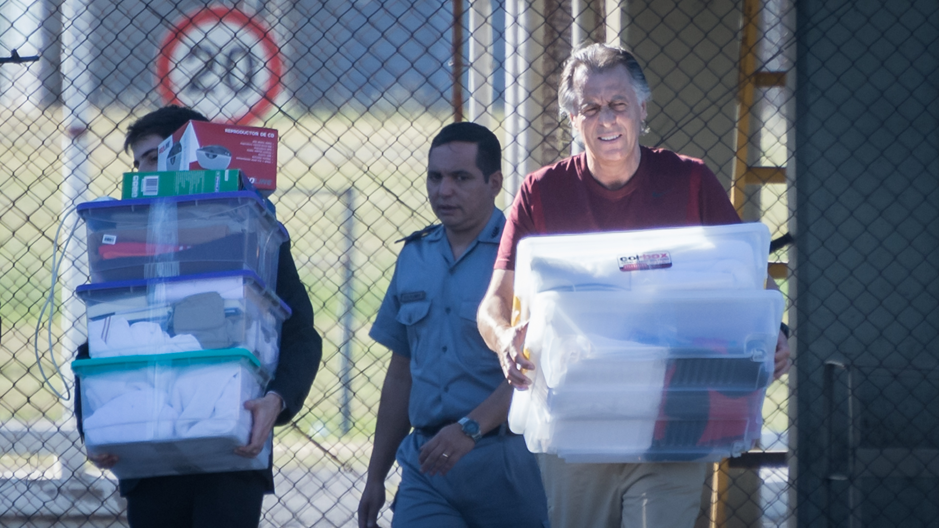 Cristóbal López, al ser liberado en el penal de Ezeiza (Foto: Martín Rosenzveig)