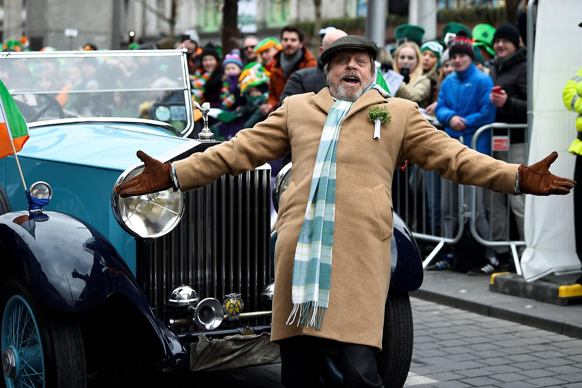 El actor Mark Hamill estuvo en el desfile en Dublin(REUTERS/Clodagh Kilcoyne)
