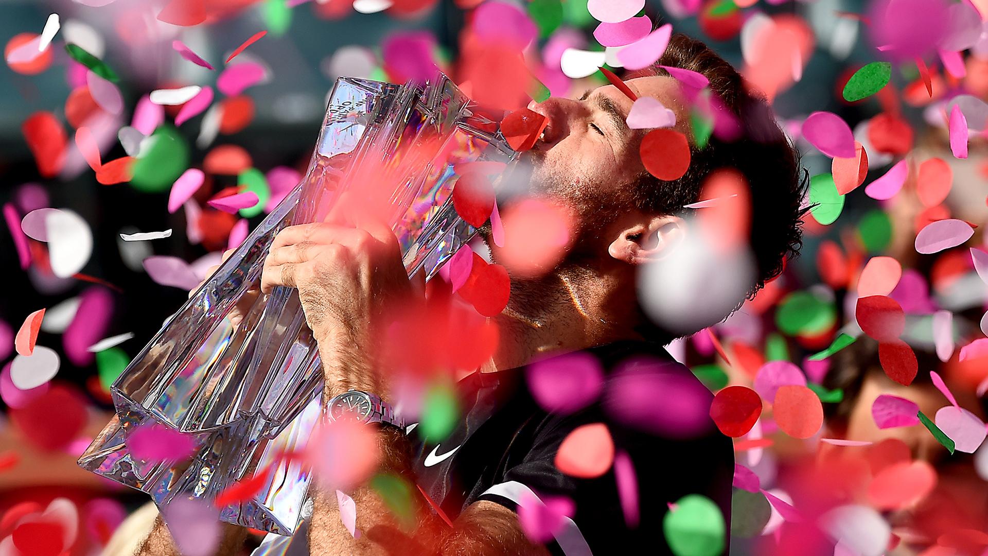 La alegría de Del Potro con el trofeo (Reuters)