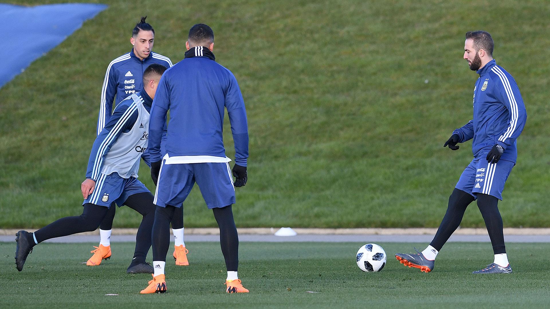 La Selección disputará el primer cotejo ante Italia el viernes 23 en el Etihad Stadium, mientras que el martes 27 hará lo propio ante España en el Wanda Metropolitano de Madrid