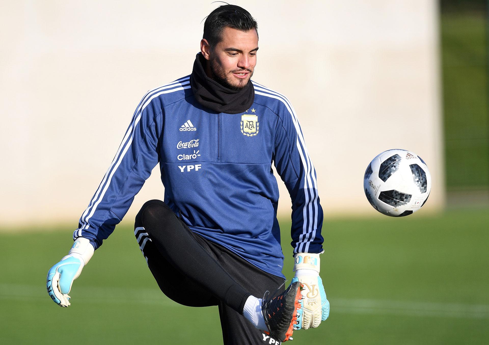 Sergio Romero, del Manchester United, fue el primero en entrenarse este lunes por la mañana