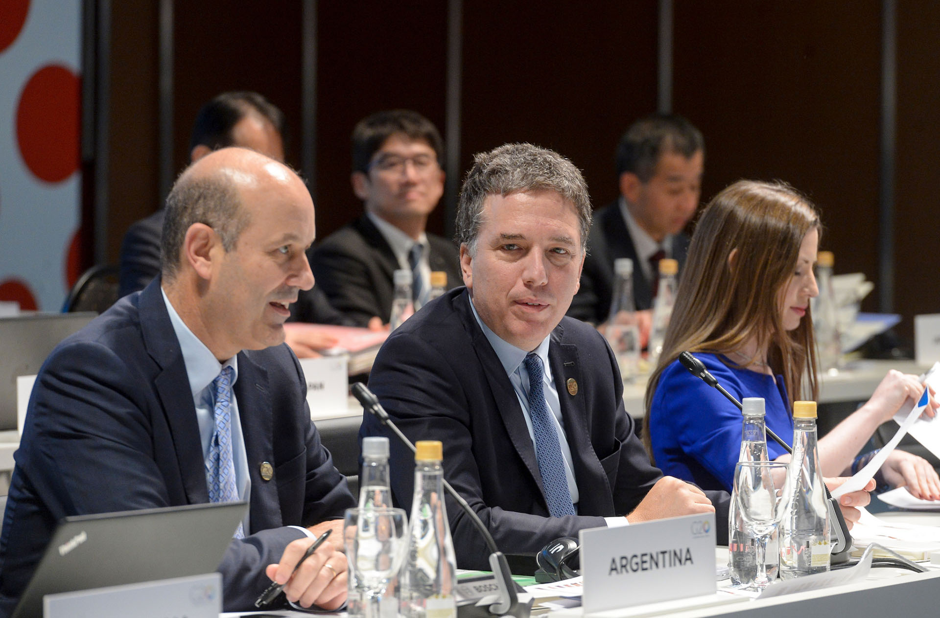 Sturzenegger y Dujovne en la apertura de discusiones entre ministros de Hacienda y jefes de Bancos Centrales