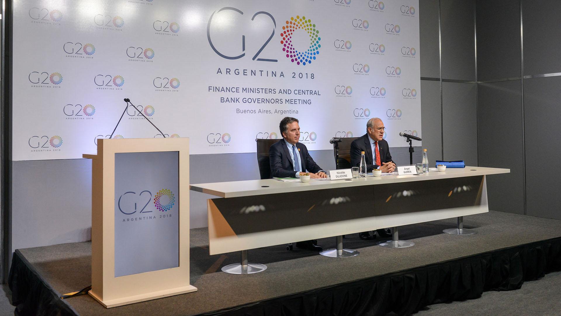 Dujovne con Gurría, secretario general de la OCDE
